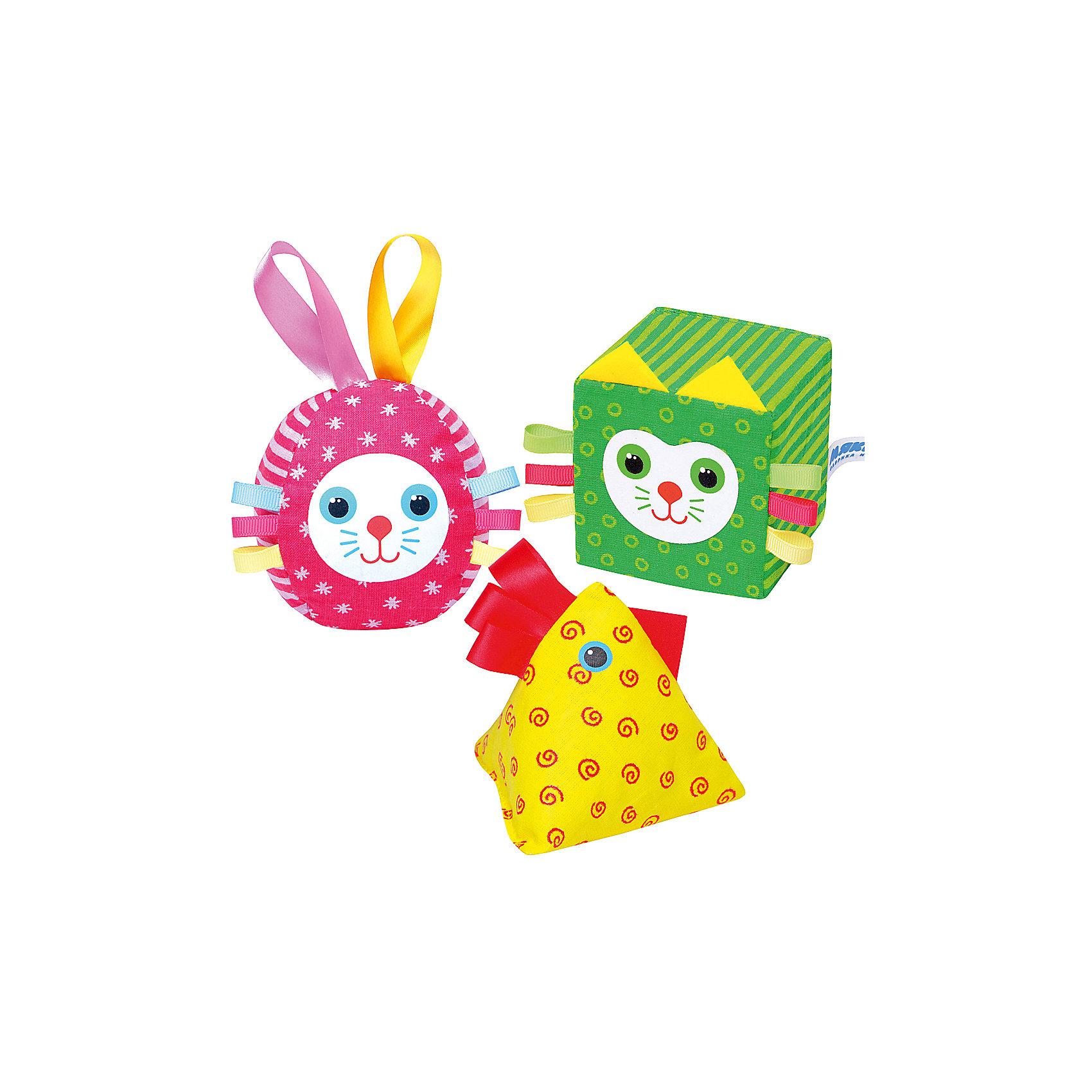 Яркий набор Веселая дидактика, МякишиХарактеристики товара:<br><br>• материал: хлопок, холлофайбер, поролон, гранулы<br>• комплектация: кубика, пирамидка, мяч<br>• размер игрушки: 7-10 см<br>• размер упаковки: 29х19х7 см<br>• развивающая игрушка<br>• упаковка: пакет<br>• страна бренда: РФ<br>• страна изготовитель: РФ<br><br>Малыши активно познают мир и тянутся к новой информации. Чтобы сделать процесс изучения окружающего пространства интереснее, ребенку можно подарить развивающие игрушки. В процессе игры информация усваивается намного лучше!<br>Такие кубики в виде животных помогут занять малыша, играть ими приятно и весело. Одновременно они позволят познакомиться со многими цветами, формами, фактурами и предметами, которые ребенку предстоит встретить. Такие игрушки развивают тактильные ощущения, моторику, цветовосприятие, логику, воображение, учат фокусировать внимание. Каждое изделие абсолютно безопасно – оно создано из качественной ткани с мягким наполнителем. Игрушки производятся из качественных и проверенных материалов, которые безопасны для детей.<br><br>Яркий набор Веселая дидактика от бренда Мякиши можно купить в нашем интернет-магазине.<br><br>Ширина мм: 290<br>Глубина мм: 185<br>Высота мм: 70<br>Вес г: 120<br>Возраст от месяцев: 12<br>Возраст до месяцев: 36<br>Пол: Унисекс<br>Возраст: Детский<br>SKU: 5183181