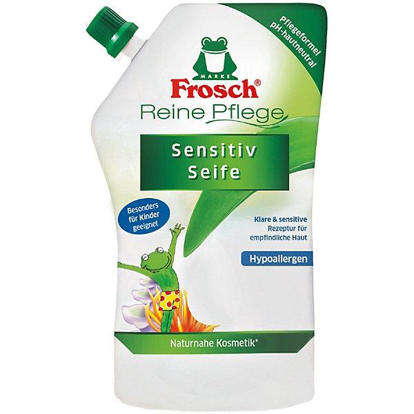 Детское ухаживающее жидкое мыло для рук (запасная упаковка), 500 мл, FroschМыло для детей<br>Характеристики товара:<br><br>• объем: 500 мл<br>• упаковка: пластик<br>• страна бренда: Германия<br>• страна изготовитель: Германия<br><br>К детским очищающим средствам всегда предъявляются повышенные требования. Они должны полностью очищать поверхность, заботиться о коже малыша и быть абсолютно безопасными. Детское мыло должно смываться водой без единого остатка, что и обеспечивает мыло от компании Frosch. <br><br>Кроме того, важна экономичность упаковки и наличие сменных блоков. Материалы, использованные при изготовлении товара, сертифицированы и отвечают всем международным требованиям по качеству. <br><br>Детское ухаживающее жидкое мыло для рук (запасная упаковка), 500 мл от немецкого производителя Frosch (Фрош) можно приобрести в нашем интернет-магазине.<br><br>Ширина мм: 110<br>Глубина мм: 65<br>Высота мм: 210<br>Вес г: 565<br>Возраст от месяцев: 36<br>Возраст до месяцев: 1188<br>Пол: Унисекс<br>Возраст: Детский<br>SKU: 5185756
