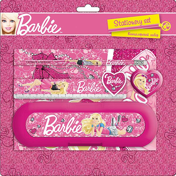 Набор канцелярский (6 предметов), BarbieШкольные аксессуары<br>Набор канцелярский (6 предметов), Barbie (Барби).<br><br>Характеристики:<br><br>- Размер: 25х25х3 см<br>- В наборе: ластик фигурный, записная книжка, пенал пластиковый, линейка прозрачная (15см), точилка большая круглая, простой карандаш.<br><br>Набор канцелярский (6 предметов), Barbie (Барби) -  незаменимая вещь для занятий творчеством. Все предметы выполнены из безопасных качественных материалов. Изображение любимой красавицы Барби сделают творческие занятия еще более прятными.<br><br>Набор канцелярский (6 предметов), Barbie (Барби), можно купить в нашем интернет- магазине.<br>Ширина мм: 250; Глубина мм: 250; Высота мм: 30; Вес г: 200; Возраст от месяцев: 96; Возраст до месяцев: 108; Пол: Женский; Возраст: Детский; SKU: 5218413;