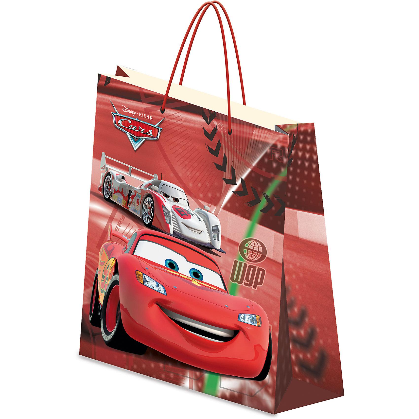 Пакет подарочный, ТачкиТачки<br>Пакет подарочный, Тачки<br><br>Характеристики:<br><br>- Размер упаковки: 13х16х5см.<br>- Вес: 20г.<br><br>Подарочный пакет Тачки станет замечательным аксессуаром для детского праздника или тематической вечеринки. С его помощью Вы сможете красиво оформить подарки, памятные сувениры или сюрпризы для конкурсов. Пакет выполнен из плотной бумаги с эффектом матовой ламинации и украшен изображением популярных персонажей мультипликационного фильма Тачки. <br><br>Пакет подарочный, Тачки, можно купить в нашем интернет- магазине.<br><br>Ширина мм: 130<br>Глубина мм: 160<br>Высота мм: 5<br>Вес г: 20<br>Возраст от месяцев: 60<br>Возраст до месяцев: 84<br>Пол: Мужской<br>Возраст: Детский<br>SKU: 5218419