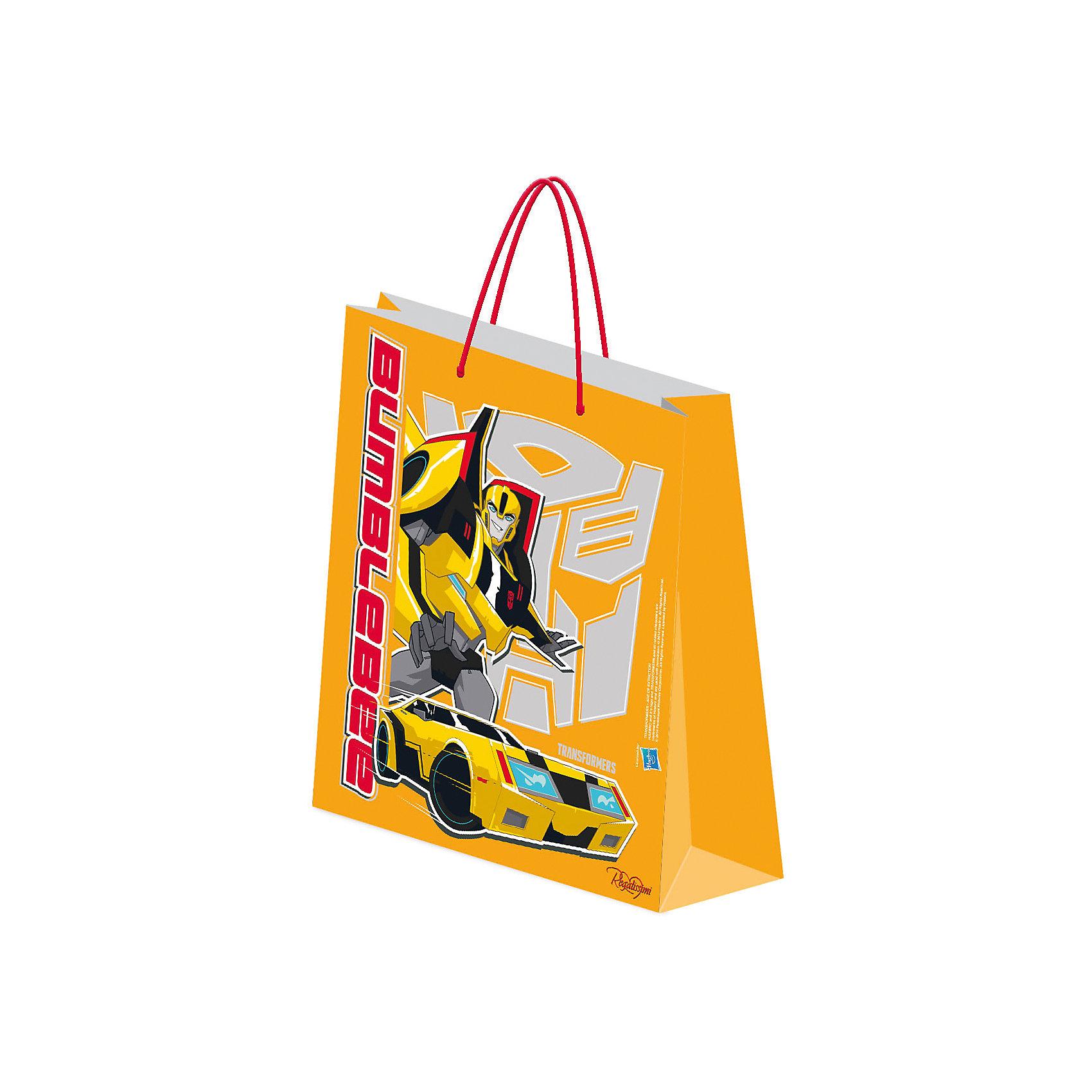 Пакет бумажный подарочный, ТрансформерыТрансформеры<br>Пакет подарочный.<br><br>Характеристики:<br><br>- Размер упаковки: 18х21х8,5 см.<br>- Вес: 34г.<br><br>Подарочный пакет станет замечательным аксессуаром для детского праздника или тематической вечеринки. С его помощью Вы сможете красиво оформить подарки, памятные сувениры или сюрпризы для конкурсов. Пакет выполнен из плотной бумаги с эффектом матовой ламинации и украшен изображением популярных персонажей фильма Трансформеры. <br><br>Пакет подарочный , можно купить в нашем интернет- магазине.<br><br>Ширина мм: 2<br>Глубина мм: 180<br>Высота мм: 210<br>Вес г: 34<br>Возраст от месяцев: 96<br>Возраст до месяцев: 108<br>Пол: Мужской<br>Возраст: Детский<br>SKU: 5218422