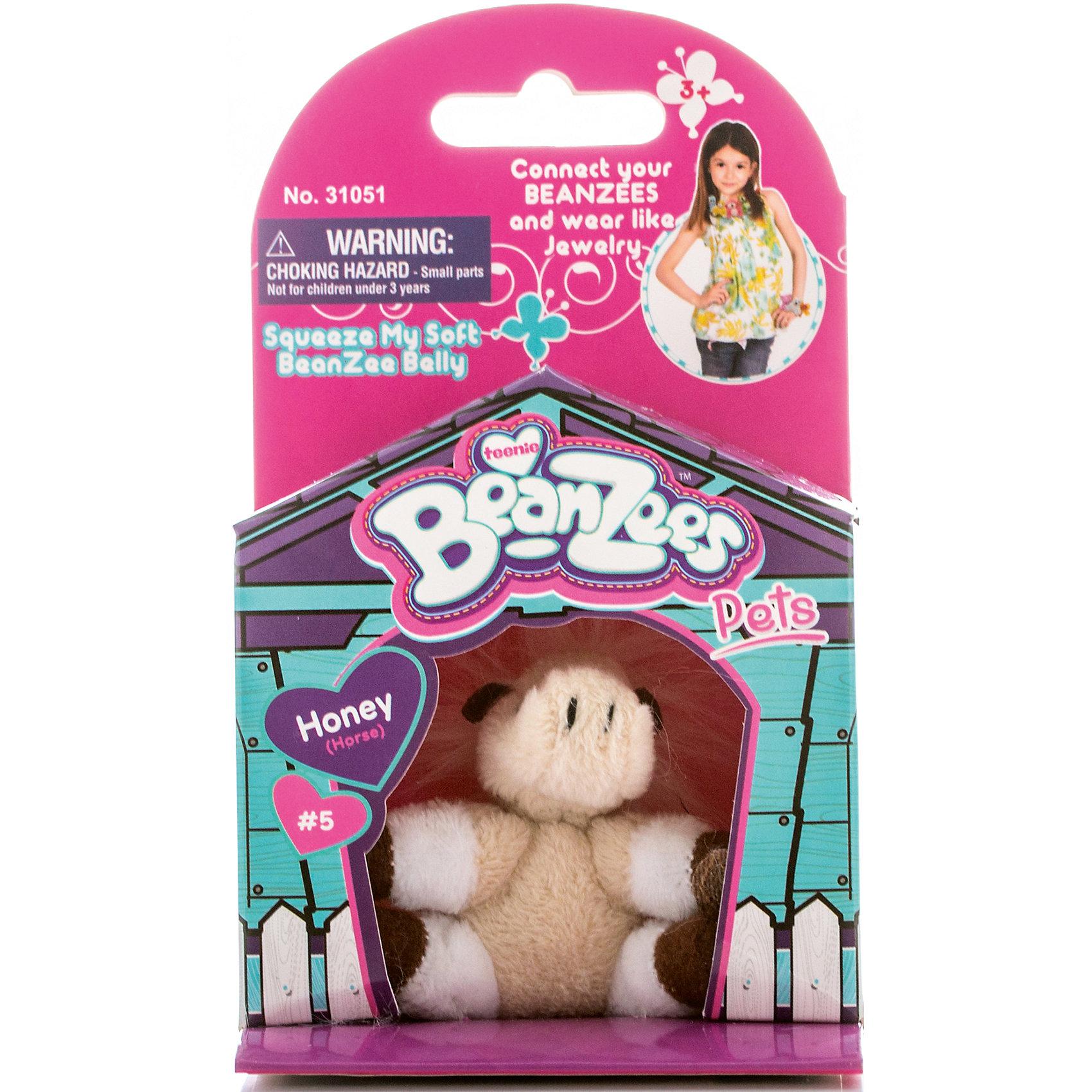 Мини-плюш Лошадь, BeanzeezМягкие игрушки животные<br>Характеристики товара:<br><br>• особенности: наличие на лапках липучек, игрушку можно соединять с другими героями из серии<br>• материал: пластик, текстиль<br>• размер упаковки: 9х5,5х14,5 см.<br>• высота игрушки: 5 см<br>• возраст: от 3 лет<br>• страна бренда: США<br>• страна производства: Китай<br><br>Такая симпатичная игрушка не оставит ребенка равнодушным! Какой малыш откажется поиграть с маленькими плюшевыми игрушками из большой пушистой коллекции?! Игрушки очень качественно выполнены, поэтому такая фигурка станет отличным подарком ребенку. Благодаря липучкам на лапках животных можно соединить между собой. Дети приходят в восторг от этих игрушек!<br>Такие предметы помогают ребенку отрабатывать новые навыки и способности - развивать ловкость, мелкую моторику, воображение, мышление, логику. Изделие производится из качественных сертифицированных материалов, безопасных даже для самых маленьких.<br><br>Мини-плюш Лошадь от бренда Beanzeez можно купить в нашем интернет-магазине.<br><br>Ширина мм: 50<br>Глубина мм: 140<br>Высота мм: 85<br>Вес г: 73<br>Возраст от месяцев: 36<br>Возраст до месяцев: 2147483647<br>Пол: Женский<br>Возраст: Детский<br>SKU: 5218683