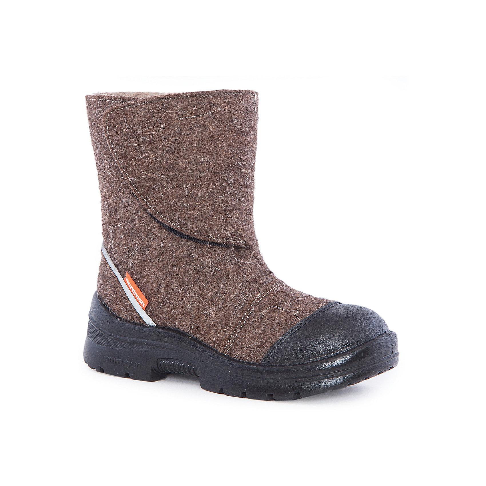 Валенки  NordmanХарактеристики товара:<br><br>• цвет: коричный<br>• материал верха: войлок<br>• материал подкладки: мех<br>• материал подошвы: полиуретан<br>• подошва не скользит<br>• застежка: липучка<br>• температурный режим: от -30° до +5° С<br>• кожаная накладка на носок<br>• защита пятки <br>• толстая устойчивая подошва<br>• низ не промокает<br>• страна бренда: Российская Федерация<br>• страна изготовитель: Российская Федерация<br><br>При выборе зимней обуви для ребенка необходимо убедиться, что она удобная и теплая. Такие симпатичные валенки обеспечат детям комфорт даже в сильный мороз, а непромокающая нижняя часть  оставит ножки в сухости. Валенки легко снимаются и надеваются, хорошо сидят на ноге. Внутри - специальная теплая подкладка, с которой холода не страшны!<br>Обувь от бренда Nordman - это качественные российские товары, произведенные с применением как натуральных, так и высокотехнологичных материалов. Обувь выделяется стильным дизайном и проработанными деталями. Полностью адаптирована под российскую погоду! Изделие производится из качественных и проверенных материалов, которые безопасны для детей.<br><br>Валенки от бренда Nordman можно купить в нашем интернет-магазине.<br><br>Ширина мм: 257<br>Глубина мм: 180<br>Высота мм: 130<br>Вес г: 420<br>Цвет: коричневый<br>Возраст от месяцев: 132<br>Возраст до месяцев: 144<br>Пол: Унисекс<br>Возраст: Детский<br>Размер: 35,32,33,34<br>SKU: 5219743