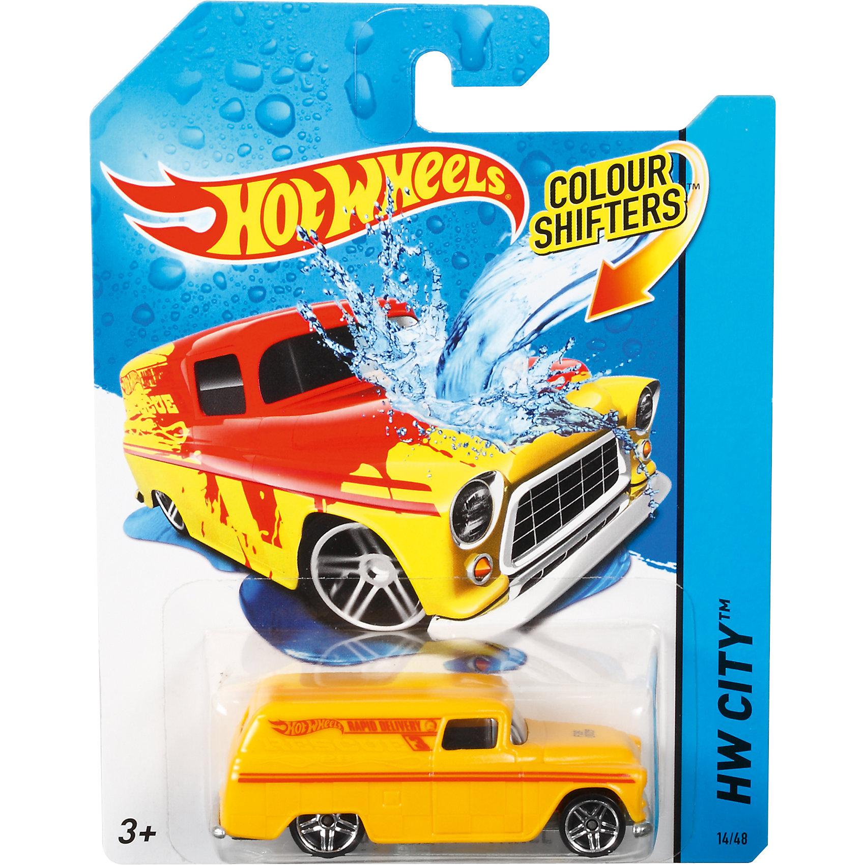 Меняющая цвет машинка COLOR SHIFTERS, Hot WheelsПопулярные игрушки<br>Характеристики:<br><br>• Вид игр: сюжетно-ролевые<br>• Предназначение: для дома, для игр с водой<br>• Серия: Color Shifters<br>• Пол: для мальчиков<br>• Материал: пластик, металл<br>• Цвет: желтый, красный, серебристый, черный<br>• Размеры упаковки (Д*Ш*В): 12*11*3 см<br>• Вес:  120 г <br>• В зависимости от температуры воды меняет цвет<br>• Особенности ухода: разрешается мыть водой<br>• Упаковка: картонная упаковка с блистером<br><br>Меняющая цвет машинка COLOR SHIFTERS, Hot Wheels – это машинки, предназначенные для популярных игровых наборов Hot Wheels от Mattel. Особенностью этой серии является то, что машинки могут изменять цвет в зависимости от температуры воды: теплая вода окрашивает машинку в более яркий цвет, холодная – возвращает первоначальный вид. Регулируя температурный режим воды, можно создавать авторский дизайн корпуса машинки. <br>Меняющая цвет машинка COLOR SHIFTERS, Hot Wheels изготовлена из безопасного и ударопрочного пластика; корпус игрушки литой, колеса вращаются. Машинка подходит для всех типов наборов серии Hot Wheels. С машинкой, меняющей цвет, гонки станут еще более увлекательными!<br><br>Меняющую цвет машинку COLOR SHIFTERS, Hot Wheels, можно купить в нашем магазине.<br><br>Ширина мм: 166<br>Глубина мм: 126<br>Высота мм: 32<br>Вес г: 47<br>Возраст от месяцев: 36<br>Возраст до месяцев: 84<br>Пол: Мужской<br>Возраст: Детский<br>SKU: 5224245