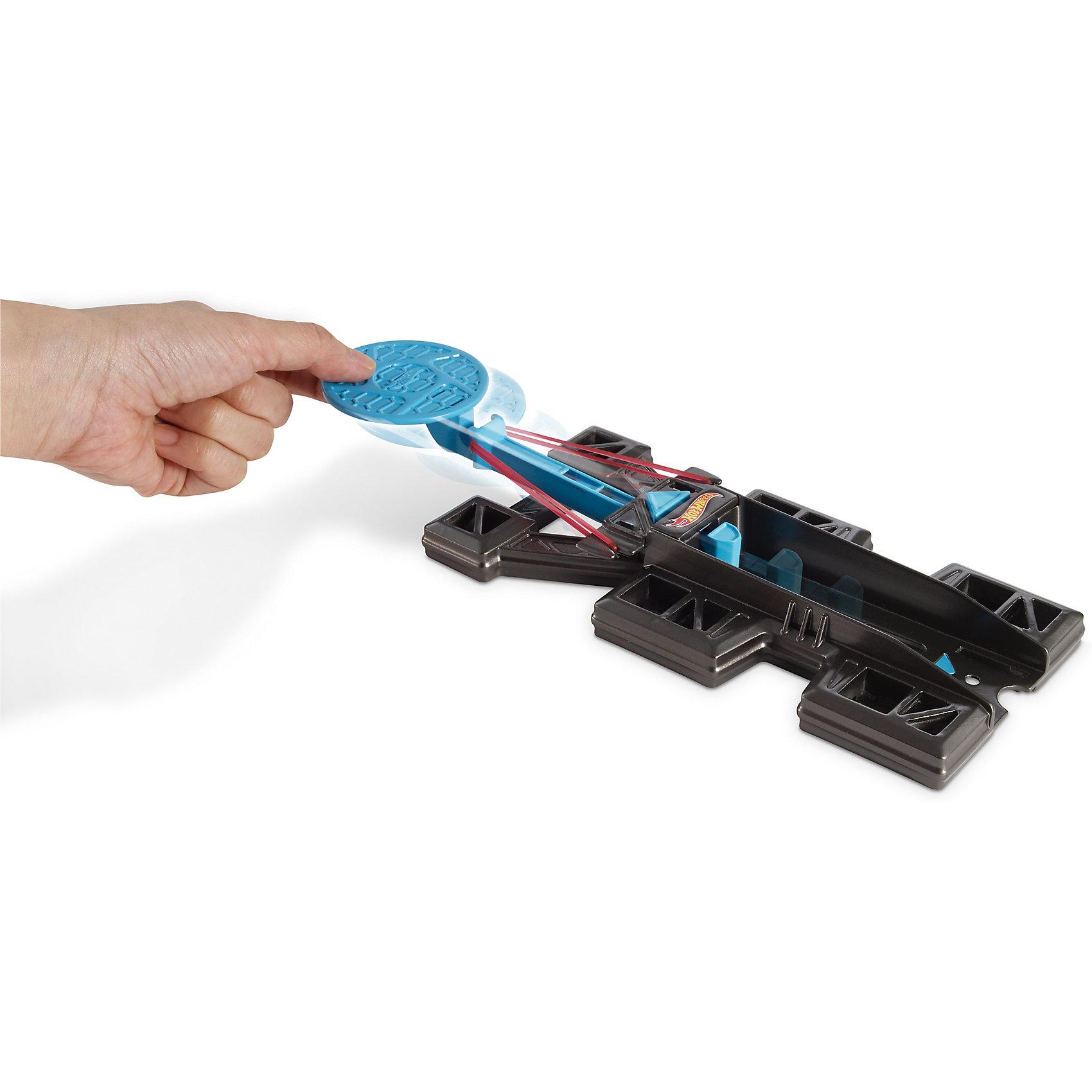 Набор дополнительных блоков для конструктора трасс Hot WheelsИгровые наборы<br>Характеристики:<br><br>• Вид игр: сюжетно-ролевые<br>• Предназначение: для дома<br>• Серия: Track Builder <br>• Пол: для мальчиков<br>• Материал: пластик<br>• Цвет: синий, черный<br>• Размеры упаковки (Д*Ш*В): 27*16*6 см<br>• Вес:  60 г <br>• Особенности ухода: разрешается мыть водой<br>• Упаковка: пакет из фольгированного пластика<br><br>Набор дополнительных блоков для конструктора трасс Hot Wheels – это элементы конструирования гоночных трасс, расширяющие базовые наборы Hot Wheels. Дополнительные блоки выполнены из прочного пластика, устойчивого к повреждениям и царапинам, элементы окрашены безопасной краской. Деталь Launch It – это универсальный пусковой механизм для трассы, который запускается при контакте с машинком или с другими объектами. <br>Набор дополнительных блоков для конструктора трасс Hot Wheels позволит создать самые крутые виражи на трассах Hot Wheels!<br><br>Набор дополнительных блоков для конструктора трасс Hot Wheels можно купить в нашем магазине.<br><br>Ширина мм: 178<br>Глубина мм: 51<br>Высота мм: 279<br>Вес г: 133<br>Возраст от месяцев: 48<br>Возраст до месяцев: 84<br>Пол: Мужской<br>Возраст: Детский<br>SKU: 5224260