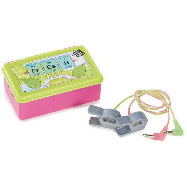 Детектор лжи, Project MС2Наборы шпиона<br>Характеристики товара:<br><br>• размер упаковки: 21х26 x 4 см<br>• материал: пластик<br>• комплектация: детектор лжи, 2 электрода<br>• световые и звуковые эффекты.<br>• батарейки: 2хAA/LR6 1.5V (пальчиковые)<br>• возраст: от шести лет<br>• страна бренда: США<br>• страна производства: Китай<br><br>Набор для определения правды, выглядящий почти как настоящий, - желанный подарок для ребенка! Комплект очень качественно выполнен, отлично детализирован, благодаря функциональности предметов в наборе с ним можно придумать множество игр! С таким комплектом девочка сможет весело и с пользой провести время! Детектор лжи оснащен звуковыми и световыми эффектами, он реагирует на увлажнение пальцев, но также можно незаметно нажимать кнопки Правда и Ложь!<br>Подобные игры помогают детям развивать важные социальные навыки и способности, они активизируют мышление, логику, развивают мелкую моторику и воображение, помогает проработать сценарии взаимодействия с людьми. Изделие производится из качественных сертифицированных материалов, безопасных даже для самых маленьких.<br><br>Детектор лжи от бренда Project MС2 можно купить в нашем интернет-магазине.<br>Ширина мм: 210; Глубина мм: 260; Высота мм: 40; Вес г: 363; Возраст от месяцев: 36; Возраст до месяцев: 2147483647; Пол: Женский; Возраст: Детский; SKU: 5224461;