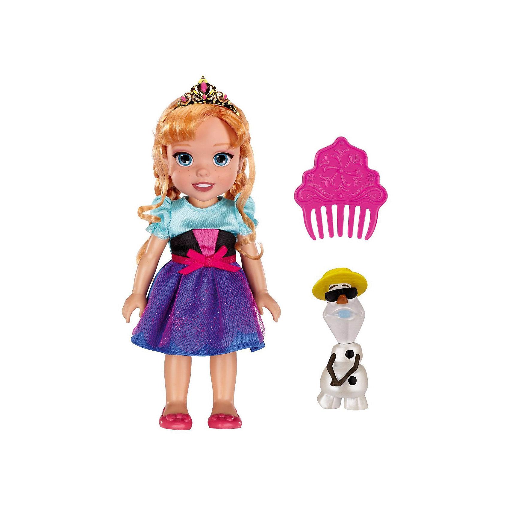 Кукла-малышка Холодное Сердце со снеговиком - Анна, 15 смХолодное Сердце<br>Характеристики товара:<br><br>• высота: 15 см<br>• размер упаковки: 14х7х20 см<br>• материал: пластик<br>• отличная детализация<br>• возраст: от трех лет<br>• комплектация: кукла, снеговик, гребень<br>• волосы куклы можно расчесывать<br><br>Игрушка в виде любимого героя - желанный подарок для малыша! Такая кукла сделана в виде маленькой принцессы из мультфильма Холодное сердце - а их современные девочки просто обожают. Кукла очень качественно выполнена, благодаря наличию в наборе её друга - снеговика Олафа - с ней можно придумать множество игр!<br>Игра с куклами помогает девочкам развивать важные социальные навыки и способности, она активизирует мышление, формирует умение заботиться о других, логику, мелкую моторику и воображение, помогает проработать сценарии взаимодействия с людьми. Изделие производится из качественных сертифицированных материалов, безопасных даже для самых маленьких.<br><br>Куклу Анна с Олафом, 15 см, Холодное сердце, можно купить в нашем интернет-магазине.<br><br>Ширина мм: 140<br>Глубина мм: 195<br>Высота мм: 65<br>Вес г: 215<br>Возраст от месяцев: 36<br>Возраст до месяцев: 2147483647<br>Пол: Женский<br>Возраст: Детский<br>SKU: 5227286