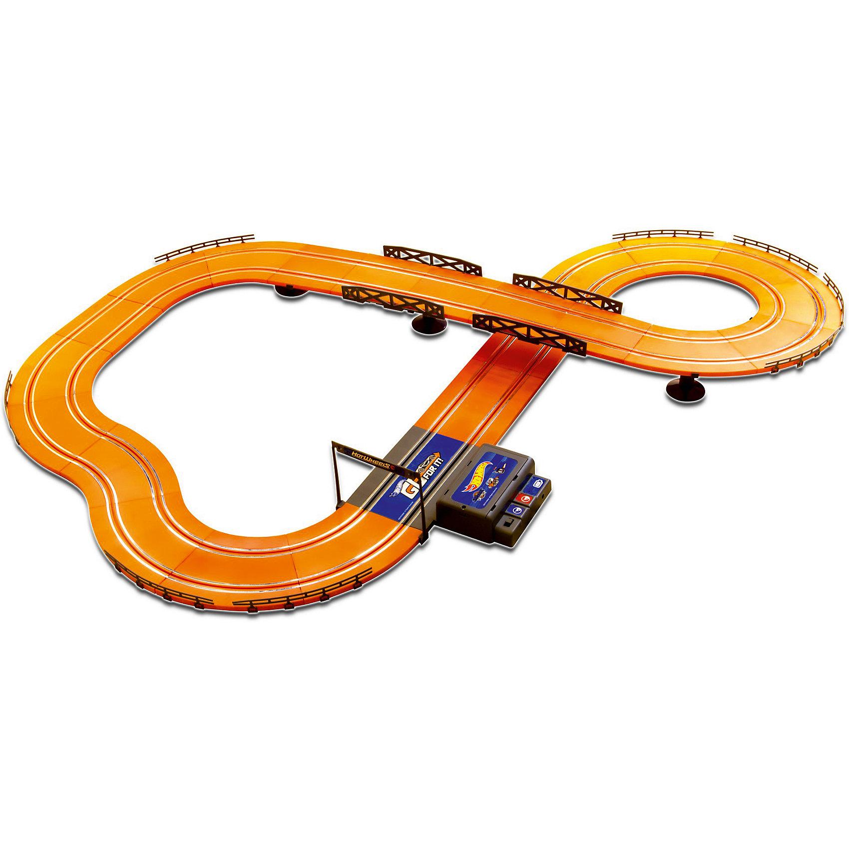 Гоночный трек Hot Wheels 380 см, на батарейках, KidzTechГоночный трек Hot Wheels 380 см, на батарейках, KidzTech (КидзТех).<br><br>Характеристики:<br><br>- В комплекте: 2 машинки со светящимися фарами, детали трека (53 шт.), 2 проводных пульта управления с функцией ускорения<br>- Уровень сложности: для начинающих<br>- Батарейки: 6 x АА (не входят в комплект)<br>- Длина трека: 380 см.<br>- Материал: пластик, металл<br><br>Гоночный трек Hot Wheels от KidzTech (КидзТех) является начальным уровнем, предназначенным для тех, кто только начал увлекаться гонками. Трек представляет собой замкнутую двухуровневую автостраду. Трасса состоит из нескольких крутых поворотов, моста и длинного прямого участка. В набор включены два проводных пульта управления и две машинки. Пульты оснащены специальной кнопкой, которая позволит машинкам ускоряться. Во время движения у автомобилей светятся фары.<br><br>Гоночный трек Hot Wheels 380 см, на батарейках, KidzTech (КидзТех) можно купить в нашем интернет-магазине.<br><br>Ширина мм: 72<br>Глубина мм: 623<br>Высота мм: 389<br>Вес г: 2330<br>Возраст от месяцев: 72<br>Возраст до месяцев: 2147483647<br>Пол: Мужской<br>Возраст: Детский<br>SKU: 5237835