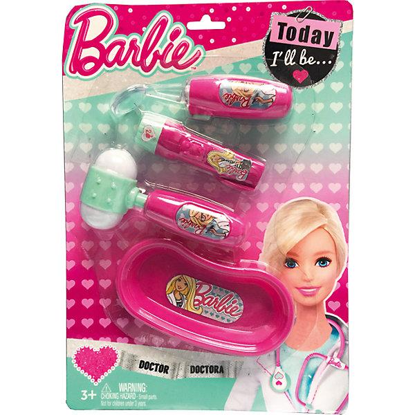Игровой набор юного доктора на блистере, BarbieНаборы доктора и ветеринара<br>Игровой набор юного доктора на блистере, Barbie (Барби).<br><br>Характеристики:<br><br>• Материал: пластик. <br>• Размер упаковки: 30х21х1,5 см.<br>• Комплектация: электронный стоматоскоп – инструмент с зеркальцем для обследования рта;<br>неврологический молоточек; фонарик; лоток для разных мелочей.<br>• Звуковые и световые эффекты. <br>• Отличная детализация. <br>• Элемент питания: для фонарика - 1 АА (не входит в комплект); для стоматоскопа 2хAG10 (входят в комплект).<br>• Яркий привлекательный дизайн.<br><br>С этим ярким набором врача ваша девочка почувствует себя самым настоящим доктором. Все аксессуары отлично детализированы и хорошо проработаны, очень похожи на медицинские инструменты. Игрушки изготовлены из экологичного пластика, в производстве которого использованы только безопасные нетоксичные красители.<br><br>Игровой набор юного доктора на блистере, Barbie (Барби), можно купить в нашем интернет-магазине.<br><br>Ширина мм: 210<br>Глубина мм: 300<br>Высота мм: 400<br>Вес г: 146<br>Возраст от месяцев: 36<br>Возраст до месяцев: 2147483647<br>Пол: Женский<br>Возраст: Детский<br>SKU: 5238932