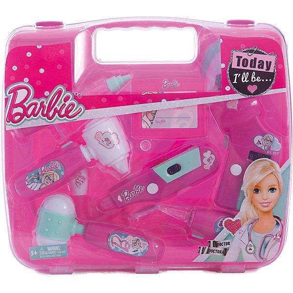 Игровой набор юного доктора в чемодане, BarbieНаборы доктора и ветеринара<br>Игровой набор юного доктора в чемодане, Barbie (Барби). <br><br>Характеристика:<br><br>• Материал: пластик. <br>• Размер упаковки: 26х4х23,5 см.<br>• Комплектация: сфигмоманометр - электронный прибор для измерения артериального давления;<br>электронный градусник; стоматоскоп - инструмент с зеркальцем для обследования полости рта; <br>стетоскоп; отоскоп - прибор для обследования уха; <br>шприц; молоточек; бейдж. <br>• Звуковые и световые эффекты. <br>• Отличная детализация. <br>• Удобный пластиковый чемоданчик для хранения и переноски. <br>• Яркий привлекательный дизайн. <br>• Элемент питания: для сфигмоманометра - 2 батарейки типа AG10 (входят в комплект); для электронного градусника - 2 батарейки типа AG10 (входят в комплект);<br>для стоматоскопа - 2 батарейки типа AG10 (входят в комплект); для стетоскопа - требуются 2 батарейки типа AG13 (входят в комплект); для отоскопа - 2 батарейки типа AG10 (входят в комплект).<br><br>С этим ярким набором ребенок сможет почувствовать себя настоящим доктором. Все аксессуары упакованы в удобный пластиковый чемоданчик с прозрачной крышкой, отлично детализированы и хорошо проработаны, очень похожи на настоящие медицинские инструменты. Игрушки выполнены из экологичного пластика, в производстве которого использованы только безопасные нетоксичные красители.<br><br>Игровой набор юного доктора в чемодане, Barbie (Барби), можно купить в нашем интернет-магазине.<br>Ширина мм: 270; Глубина мм: 240; Высота мм: 600; Вес г: 541; Возраст от месяцев: 36; Возраст до месяцев: 2147483647; Пол: Женский; Возраст: Детский; SKU: 5238936;