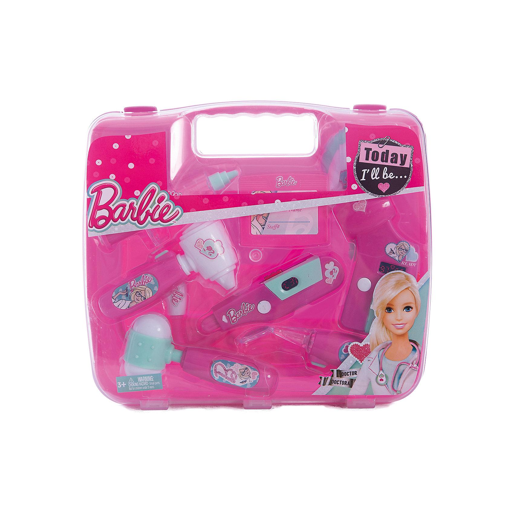 Игровой набор юного доктора в чемодане, BarbieСюжетно-ролевые игры<br>Игровой набор юного доктора в чемодане, Barbie (Барби). <br><br>Характеристика:<br><br>• Материал: пластик. <br>• Размер упаковки: 26х4х23,5 см.<br>• Комплектация: сфигмоманометр - электронный прибор для измерения артериального давления;<br>электронный градусник; стоматоскоп - инструмент с зеркальцем для обследования полости рта; <br>стетоскоп; отоскоп - прибор для обследования уха; <br>шприц; молоточек; бейдж. <br>• Звуковые и световые эффекты. <br>• Отличная детализация. <br>• Удобный пластиковый чемоданчик для хранения и переноски. <br>• Яркий привлекательный дизайн. <br>• Элемент питания: для сфигмоманометра - 2 батарейки типа AG10 (входят в комплект); для электронного градусника - 2 батарейки типа AG10 (входят в комплект);<br>для стоматоскопа - 2 батарейки типа AG10 (входят в комплект); для стетоскопа - требуются 2 батарейки типа AG13 (входят в комплект); для отоскопа - 2 батарейки типа AG10 (входят в комплект).<br><br>С этим ярким набором ребенок сможет почувствовать себя настоящим доктором. Все аксессуары упакованы в удобный пластиковый чемоданчик с прозрачной крышкой, отлично детализированы и хорошо проработаны, очень похожи на настоящие медицинские инструменты. Игрушки выполнены из экологичного пластика, в производстве которого использованы только безопасные нетоксичные красители.<br><br>Игровой набор юного доктора в чемодане, Barbie (Барби), можно купить в нашем интернет-магазине.<br><br>Ширина мм: 270<br>Глубина мм: 240<br>Высота мм: 600<br>Вес г: 541<br>Возраст от месяцев: 36<br>Возраст до месяцев: 2147483647<br>Пол: Женский<br>Возраст: Детский<br>SKU: 5238936