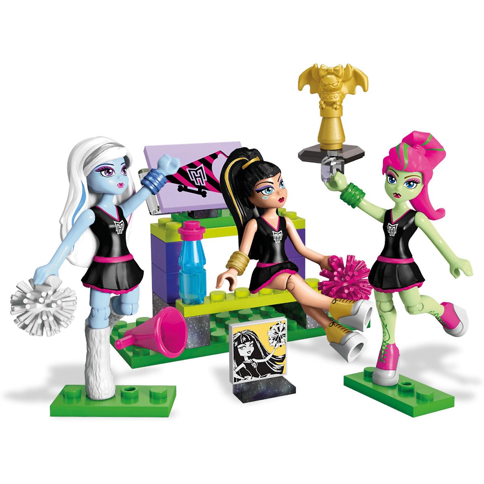 Маленький игровой набор + 3 фигурки MEGA CONSTRUX Monster HighПластмассовые конструкторы<br>Характеристики товара:<br><br>• возраст: от 3 лет<br>• тип игрушки: конструктор<br>• материал: пластик;<br>• размер упаковки: 23X15X4,5 см;<br>• страна бренда: США<br><br>Поддержи свою команду и нагони страх на противников, сделав пирамиду из трех монстров! Покажи класс в черлидинге «Монстер Хай»® и подбодри свою команду вместе с группой поддержки! <br><br>Строй трибуну, хватай пипидастры и готовься повыть для своей команды вместе с Клео, Венерой и Эбби! Создай лучшую жуткую кричалку: помести монстров в специальные места с креплениями и сделай кошмарную пирамиду высотой в два монстра! <br><br>Сохрани момент из игры на память: фото из альбома черлидеров позволит запечатлеть лучший чудовищный момент за все время обучения!<br><br>Маленький игровой набор + 3 фигурки MEGA CONSTRUX Monster High можно купить в нашем интернет-магазине.<br><br>Ширина мм: 230<br>Глубина мм: 157<br>Высота мм: 48<br>Вес г: 164<br>Возраст от месяцев: 72<br>Возраст до месяцев: 120<br>Пол: Женский<br>Возраст: Детский<br>SKU: 5254618