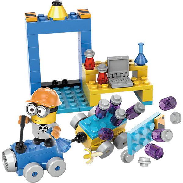 Миньоны: большой набор деталей, MEGA BLOKSПластмассовые конструкторы<br>Миньоны: большой набор деталей, MEGA BLOKS (Мега Блокс)<br><br>Характеристики:<br><br>• постройте свою лабораторию вместе с миньонами<br>• 150 кубиков в наборе<br>• фигурка миньона в комплекте<br>• материал: пластик<br><br>Присоединяйтесь к команде миньонов, строящих лабораторию. В набор Миньоны входят крупные детали, с помощью которых вы сможете построить машину, аппараты, дом и многое другое. Почувствуйте себя настоящим Грю, создающим различные постройки. Вы можете соединить детали с другим конструктором, развивая лабораторию миньонов. Прекрасный подарок для поклонников мультфильма Гадкий Я!<br><br>Миньоны: большой набор деталей, MEGA BLOKS (Мега Блокс) можно купить в нашем интернет-магазине.<br><br>Ширина мм: 235<br>Глубина мм: 157<br>Высота мм: 60<br>Вес г: 202<br>Возраст от месяцев: 60<br>Возраст до месяцев: 108<br>Пол: Унисекс<br>Возраст: Детский<br>SKU: 5254619