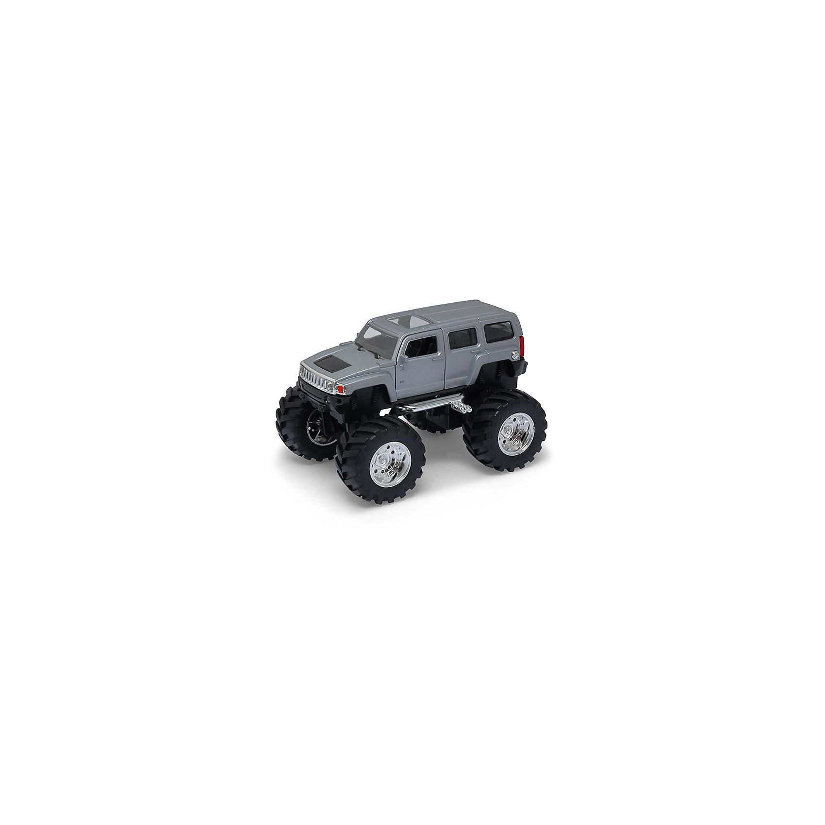 Модель машины 1:34-39 Hammer H3 Big Wheel, серебряная, WellyХарактеристики:<br><br>• тип автомобиля: внедорожник;<br>• открываются двери;<br>• прорезиненные колеса;<br>• наличие амортизаторов;<br>• инерционный механизм;<br>• масштаб: 1:34-39;<br>• материал: металл, пластик;<br>• размер упаковки: 15х11х6 см.<br><br>Устроить настоящие гонки на внедорожниках помогут машинки Hammer H3 Big Wheel. Мощные колеса, инерционный механизм, прочный корпус машинки дают возможность проводить соревнования снова и снова, машинки не бьются и не разбиваются. <br><br>Модель машины 1:34-39 Hammer H3 Big Wheel, серебряная, Welly можно купить в нашем магазине.<br><br>Ширина мм: 155<br>Глубина мм: 95<br>Высота мм: 100<br>Вес г: 291<br>Возраст от месяцев: 36<br>Возраст до месяцев: 2147483647<br>Пол: Мужской<br>Возраст: Детский<br>SKU: 5255013