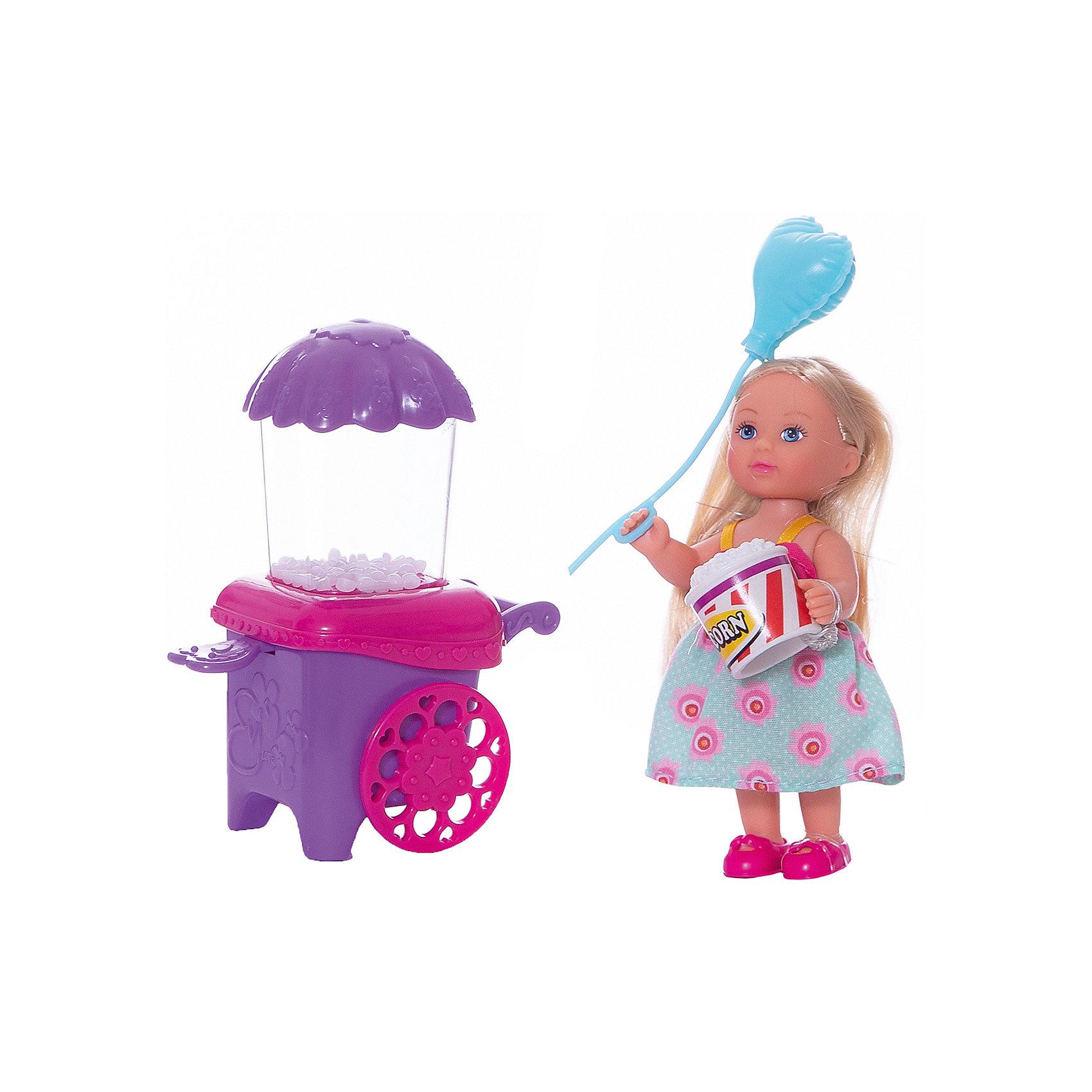 Кукла Еви делает попкорн, 12 см, SimbaХарактеристики:<br><br>• высота куклы: 12 см;<br>• аксессуары: тележка с попкорном, стаканчик для попкорна, пластиковый воздушный шарик;<br>• размер упаковки: 16х14х6,5 см.<br><br>Малышка Еви угощает всех желающих попкорном. Прибор работает без батареек, для запуска сахарных шариков рычаг опускается вниз ручным способом. Одета куколка Еви в летнее платьице, ее золотистые волосы можно расчесывать и менять образ красавицы.<br><br>Куклу Еви делает попкорн, 12 см, Simba можно купить в нашем магазине.<br><br>Ширина мм: 65<br>Глубина мм: 160<br>Высота мм: 140<br>Вес г: 1<br>Возраст от месяцев: 36<br>Возраст до месяцев: 120<br>Пол: Женский<br>Возраст: Детский<br>SKU: 5258969