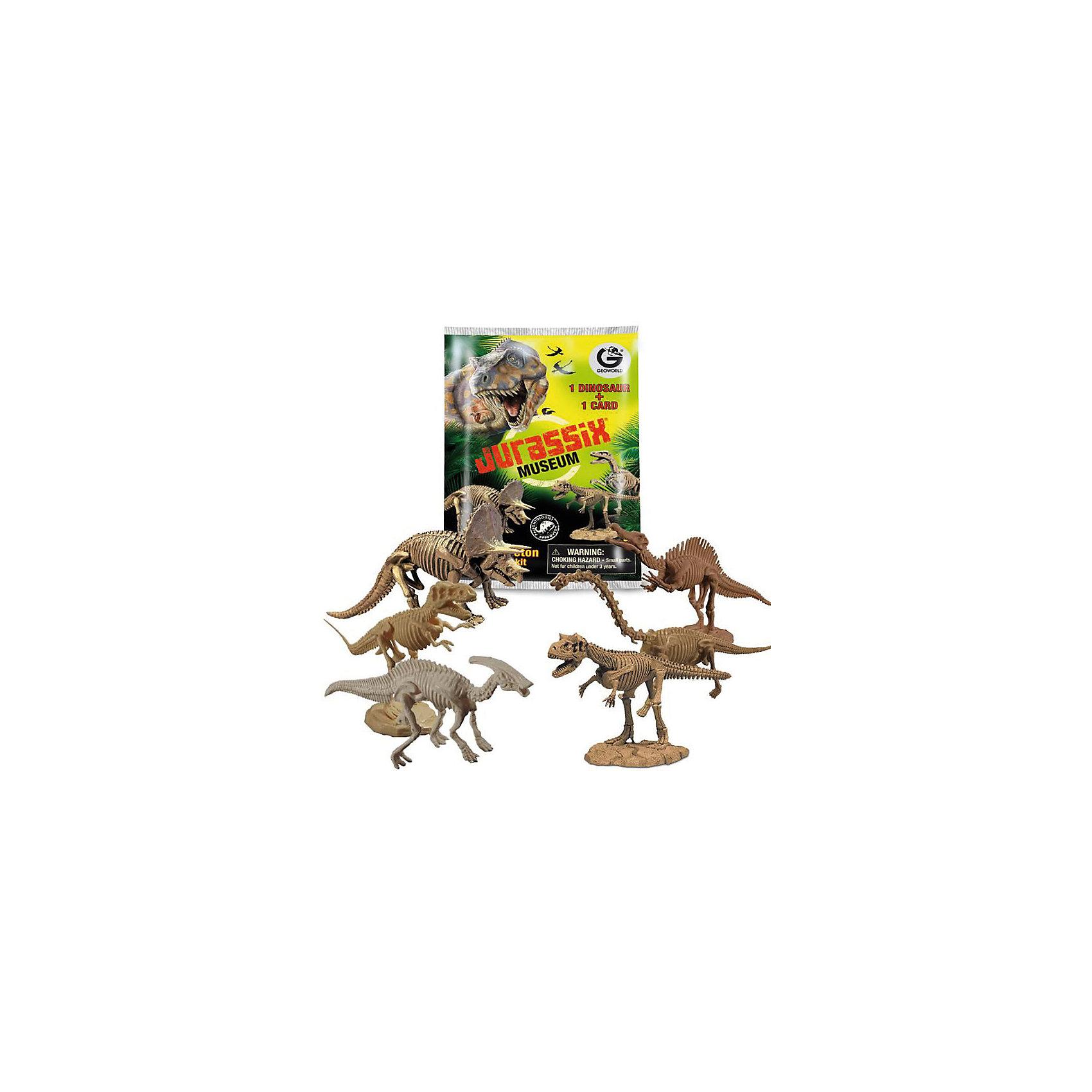 Сборная минимодель Скелет динозавра, в ассортиментеНаборы для раскопок<br>Характеристики товара:<br><br>• цвет: коричневый<br>• материал: пластик<br>• размер упаковки: 10х2х15 см<br>• комплектация: детали фигурки, буклет с информацией<br>• упаковка: пакет<br>• возраст: от трех лет<br>• страна производства: Италия<br><br>Такая натуралистичная модель не только отлично смотрится, она очень похожа на настоящего динозавра! Сборка модели поможет ребенку получить представление о строении динозавтров. С ней можно придумать множество игр! В дополнение к игрушке идет буклет с подробной информацией об этом виде динозавра.<br>Такие красивые сборные модели помогают привить детям любовь к учебе. Изделие произведено из качественных и безопасных для ребенка материалов. Игра с такой моделью помогает развить мышление ребенка, аккуратность, внимательность, мелкую моторику и воображение.<br><br>Сборную минимодель Скелет динозавра, в ассортименте, можно купить в нашем интернет-магазине.<br><br>Ширина мм: 100<br>Глубина мм: 20<br>Высота мм: 150<br>Вес г: 50<br>Возраст от месяцев: 72<br>Возраст до месяцев: 168<br>Пол: Унисекс<br>Возраст: Детский<br>SKU: 5260375