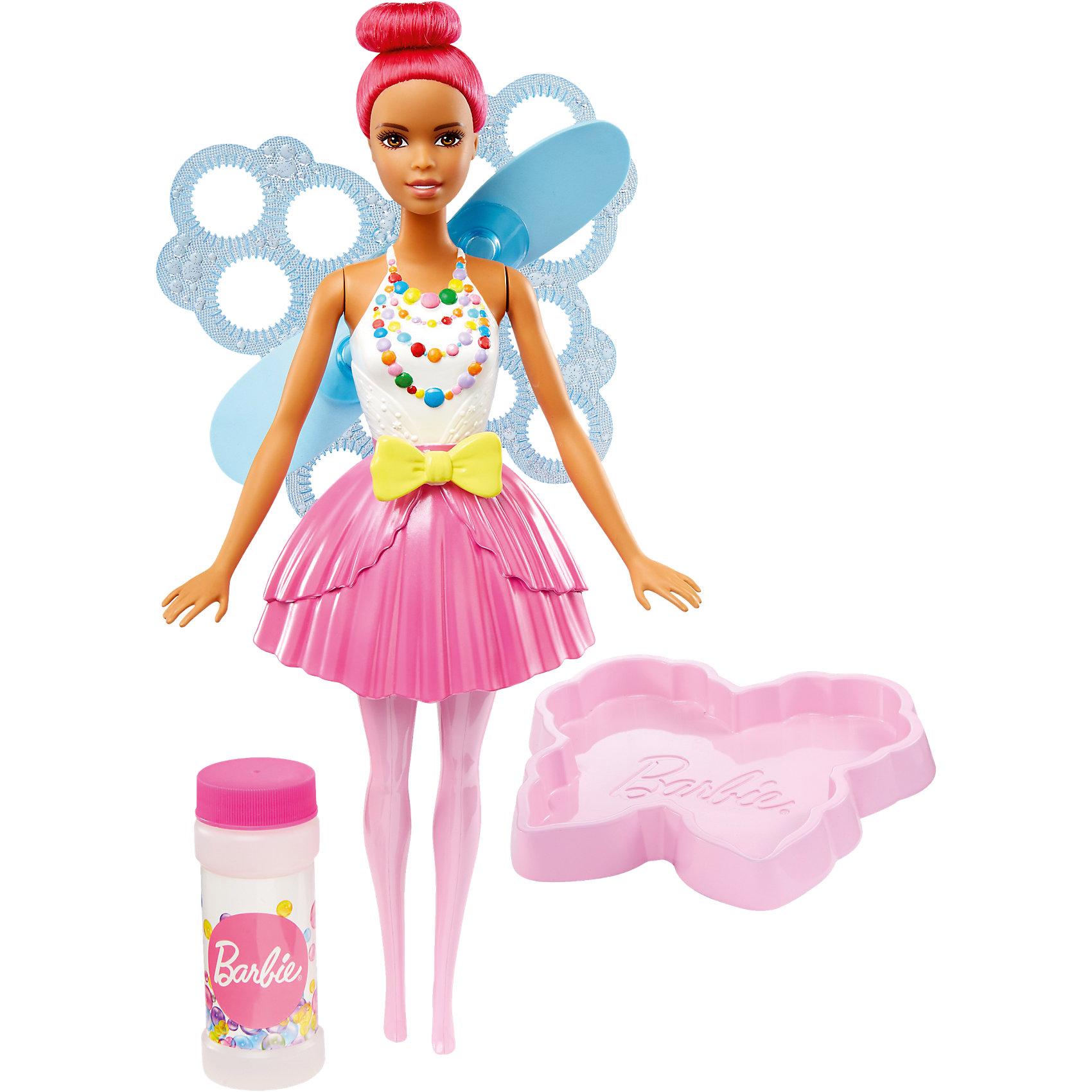 Фея с волшебными пузырьками, Barbie, 29 смBarbie Игрушки<br>Характеристики товара:<br><br>• комплектация: кукла, контейнер для жидкости, раствор для мыльных пузырей<br>• материал: пластик<br>• серия: Barbie™ Dreamtopia «Сладкое Королевство»<br>• высота куклы: 28 см<br>• возраст: от трех лет<br>• размер упаковки: 33х12х5 см<br>• вес: 0,3 кг<br>• страна бренда: США<br><br>Эта красивая кукла Барби порадует маленьких любительниц мыльных пузырей! Чтобы начать с ней играть, необходимо просто налить раствор из бутылочки, окунуть в него крылья куклы и потянуть за ленточку на её поясе - появятся волшебные пузыри! Барби из серии Сладкое Королевство станет великолепным подарком для девочек. Кукла одета в яркий наряд.<br><br>Куклы - это не только весело, они помогают девочкам развить вкус и чувство стиля, отработать сценарии поведения в обществе, развить воображение и мелкую моторику. Кукла от бренда Mattel не перестает быть популярной! <br><br>Куклу Фея с волшебными пузырьками от компании Mattel можно купить в нашем интернет-магазине.<br><br>Ширина мм: 325<br>Глубина мм: 230<br>Высота мм: 91<br>Вес г: 444<br>Возраст от месяцев: 36<br>Возраст до месяцев: 72<br>Пол: Женский<br>Возраст: Детский<br>SKU: 5262152