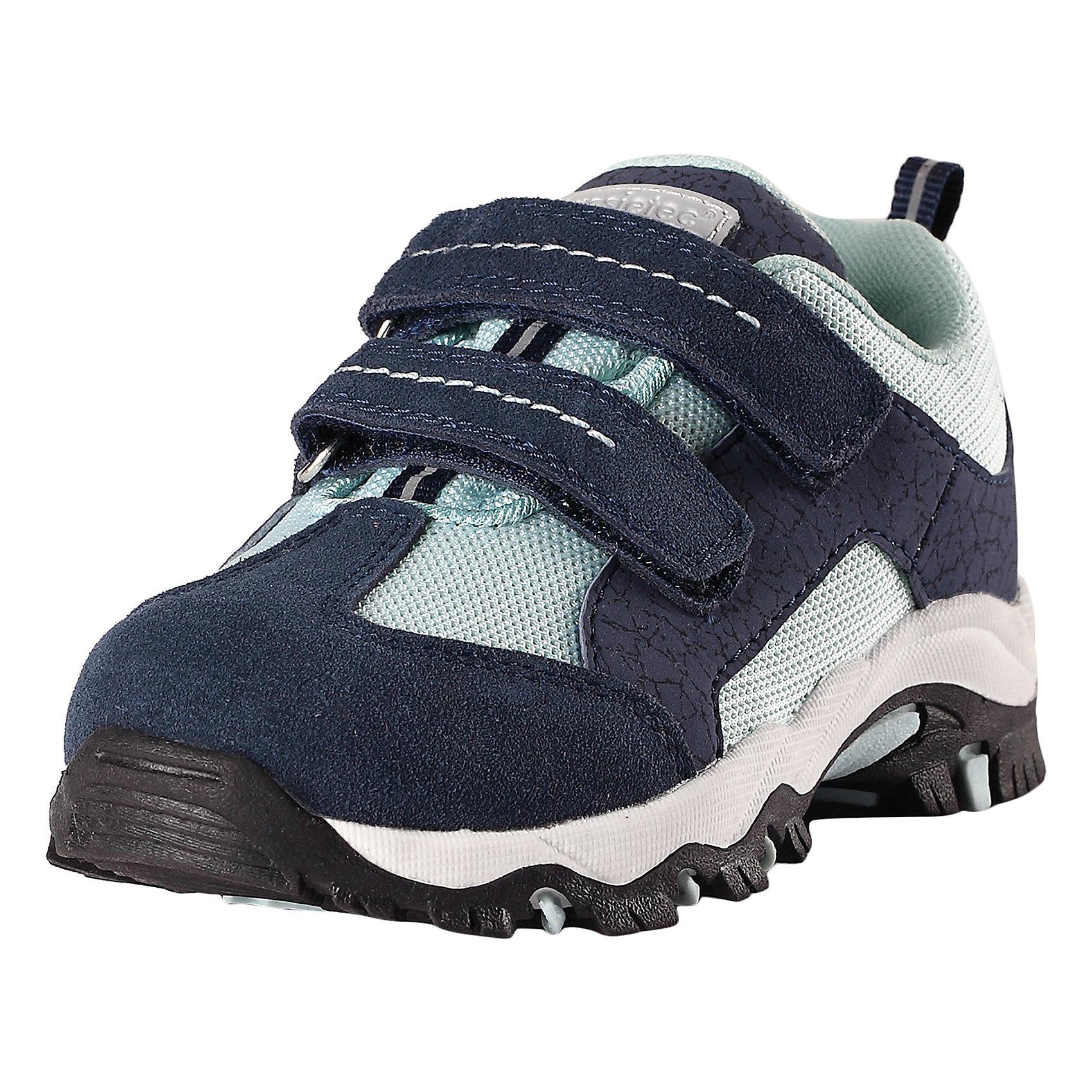 Кроссовки LASSIEКроссовки<br>Характеристики товара:<br><br>• цвет: синий<br>• состав: верх - ПЭ,ПУ/кожа, подошва - резина термопластичная<br>• застежка: липучка<br>• мягкая текстильная подкладка<br>• усиленные пятка и носок<br>• съемные стельки<br>• светоотражающие детали<br>• страна производства: Китай<br>• страна бренда: Финляндия<br>• коллекция: весна-лето 2017<br><br>Детская обувь может быть модной и комфортной одновременно! Удобные стильные кроссовки помогут обеспечить ребенку комфорт и дополнить наряд. Они отлично смотрятся с различной одеждой. Кроссовки удобно сидят на ноге и аккуратно смотрятся. Легко чистятся и долго служат. Продуманная конструкция разрабатывалась специально для детей.<br><br>Обувь и одежда от финского бренда LASSIE пользуются популярностью во многих странах. Они стильные, качественные и удобные. Для производства продукции используются только безопасные, проверенные материалы и фурнитура. Порадуйте ребенка модными и красивыми вещами от Lassie®! <br><br>Кроссовки от финского бренда LASSIE можно купить в нашем интернет-магазине.<br><br>Ширина мм: 262<br>Глубина мм: 176<br>Высота мм: 97<br>Вес г: 427<br>Цвет: синий<br>Возраст от месяцев: 96<br>Возраст до месяцев: 108<br>Пол: Унисекс<br>Возраст: Детский<br>Размер: 32,31,25,26,27,28,29,30,33,34,35,24<br>SKU: 5263370