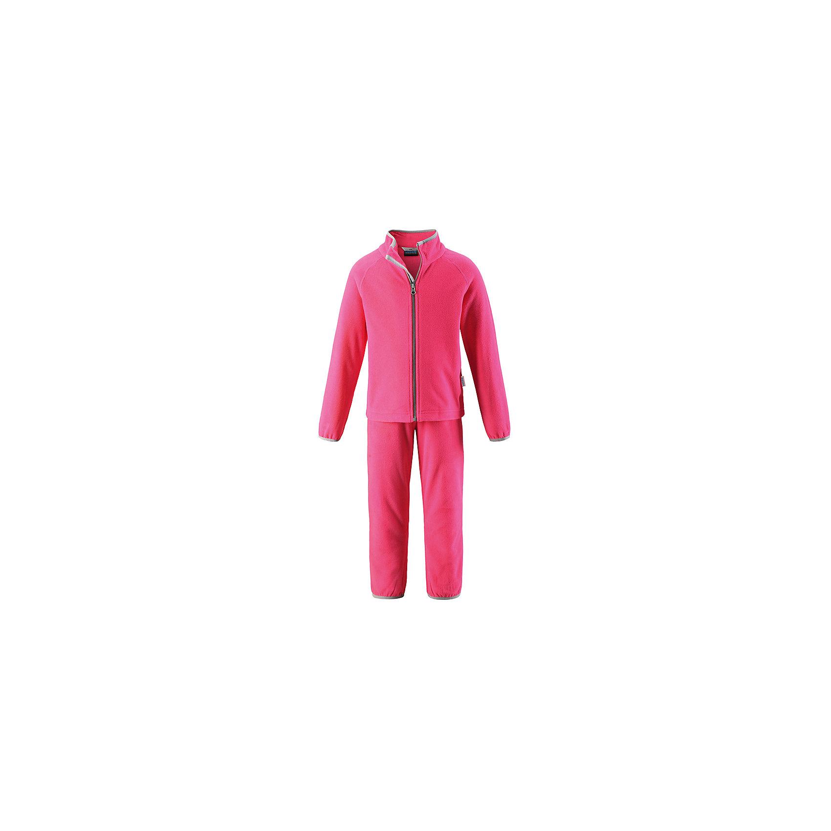Комплект LASSIEОдежда<br>Характеристики товара:<br><br>• цвет: розовый<br>• состав: 100% полиэстер<br>• комплектация: кофта, штаны<br>• мягкий флис<br>• «дышащий» теплый и быстросохнущий материал<br>• эластичный воротник<br>• манжеты на рукавах и брючинах<br>• молния по всей длине с защитой подбородка<br>• эластичная талия<br>• комфортная посадка<br>• страна производства: Китай<br>• страна бренда: Финляндия<br>• коллекция: весна-лето 2017<br><br>Флисовый комплект из кофты и штанов поможет обеспечить ребенку комфорт и тепло. Предметы отлично смотрятся с различной одеждой. Комплект удобно сидит и модно выглядит. Материал - теплый и мягкий. Продуманный крой разрабатывался специально для детей.<br><br>Обувь и одежда от финского бренда LASSIE пользуются популярностью во многих странах. Они стильные, качественные и удобные. Для производства продукции используются только безопасные, проверенные материалы и фурнитура. Порадуйте ребенка модными и красивыми вещами от Lassie®! <br><br>Комплект от финского бренда LASSIE можно купить в нашем интернет-магазине.<br><br>Ширина мм: 190<br>Глубина мм: 74<br>Высота мм: 229<br>Вес г: 236<br>Цвет: розовый<br>Возраст от месяцев: 108<br>Возраст до месяцев: 120<br>Пол: Женский<br>Возраст: Детский<br>Размер: 128,98,104,116,122,134,140,110,92<br>SKU: 5264295