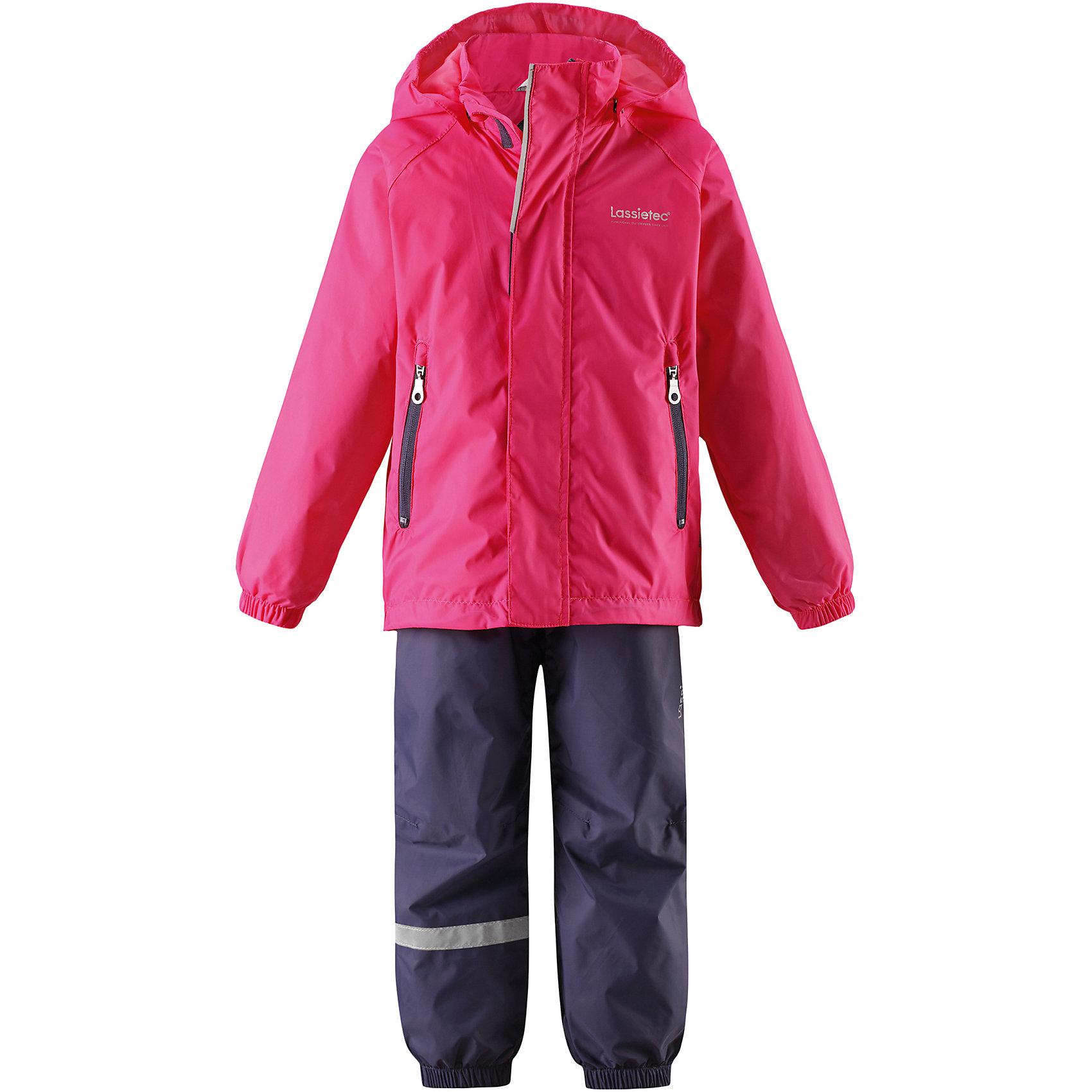 Комплект LASSIEОдежда<br>Характеристики товара:<br><br>• цвет: розовый/синий<br>• температурный режим: от +20°до +10°С<br>• состав: 100% полиамид, полиуретановое покрытие<br>• материал - Plain weave/Водонепроницаемость5000 мм<br>• сопротивление трению: 10000 циклов (тест Мартиндейла).<br>• комплектация: куртка, штаны<br>• съемные штрипки в размерах от 104 до 128 см<br>• водоотталкивающий, ветронепроницаемый и «дышащий» материал<br>• подкладка: mesh-сетка <br>• съемный капюшон<br>• карманы на молнии<br>• регулируемый подол <br>• эластичные манжеты и штанины<br>• эластичный обхват талии<br>• комфортная посадка<br>• без утеплителя<br>• страна производства: Китай<br>• страна бренда: Финляндия<br>• коллекция: весна-лето 2017<br><br>Демисезонный комплект из куртки и штанов поможет обеспечить ребенку комфорт и тепло. Предметы отлично смотрятся с различной одеждой. Комплект удобно сидит и модно выглядит. Материал - водоотталкивающий, ветронепроницаемый и «дышащий». Продуманный крой разрабатывался специально для детей.<br><br>Обувь и одежда от финского бренда LASSIE пользуются популярностью во многих странах. Они стильные, качественные и удобные. Для производства продукции используются только безопасные, проверенные материалы и фурнитура. Порадуйте ребенка модными и красивыми вещами от Lassie®! <br><br>Комплект от финского бренда LASSIE можно купить в нашем интернет-магазине.<br><br>Ширина мм: 190<br>Глубина мм: 74<br>Высота мм: 229<br>Вес г: 236<br>Цвет: розовый<br>Возраст от месяцев: 3<br>Возраст до месяцев: 48<br>Пол: Женский<br>Возраст: Детский<br>Размер: 104,116,98,122,92,128,134,140,110<br>SKU: 5264355