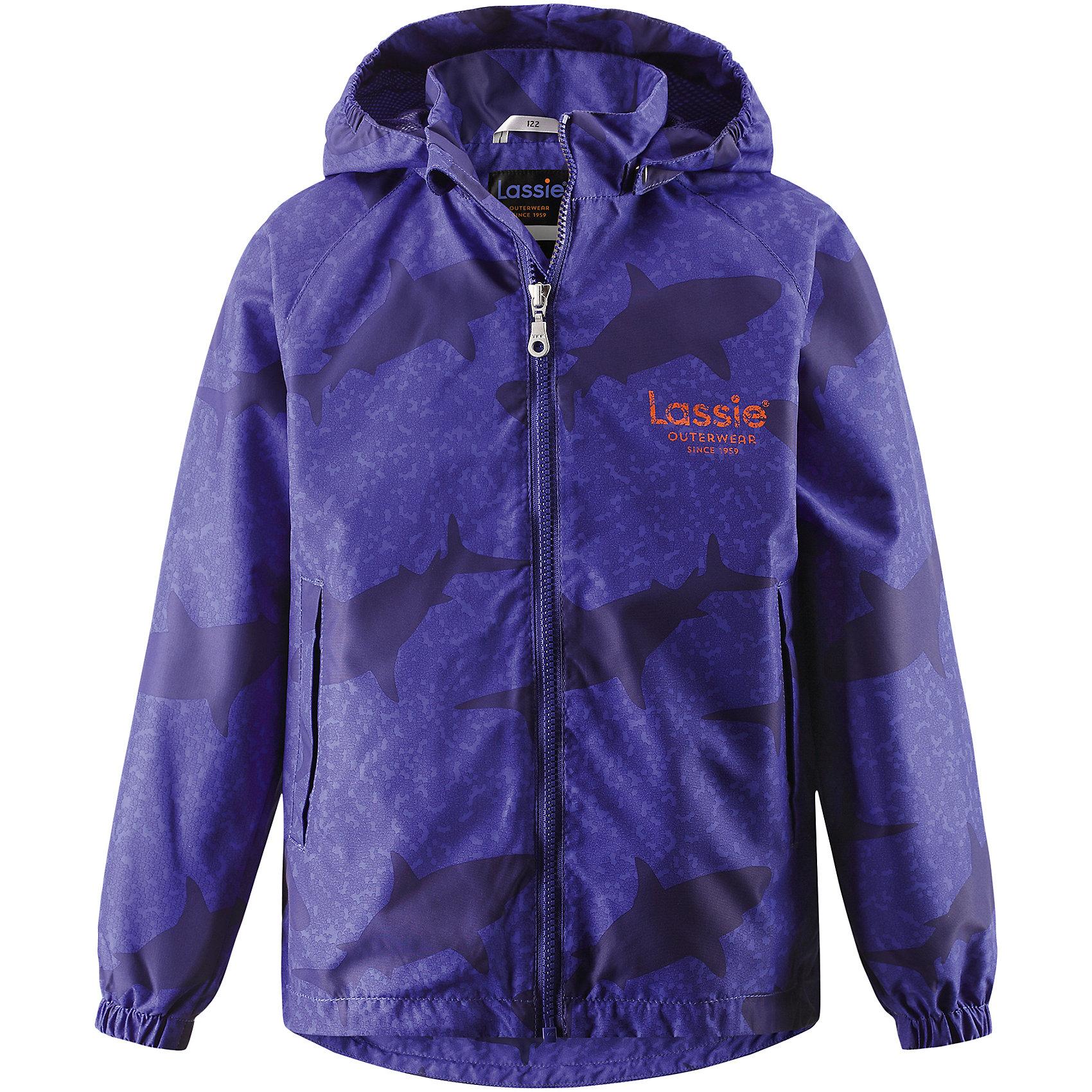 Куртка для мальчика LASSIEОдежда<br>Курткадля мальчика LASSIE<br>Состав:<br>100% Полиэстер, полиуретановое покрытие<br> Куртка для детей<br> Водоотталкивающий, ветронепроницаемый и «дышащий» материал<br> Подкладка из mesh-сетки<br> Безопасный, съемный капюшон<br> Эластичные манжеты<br> Регулируемый подол<br> Два прорезных кармана<br><br>Ширина мм: 356<br>Глубина мм: 10<br>Высота мм: 245<br>Вес г: 519<br>Цвет: синий<br>Возраст от месяцев: 48<br>Возраст до месяцев: 60<br>Пол: Мужской<br>Возраст: Детский<br>Размер: 110,128,140,104,98,116,122,134,92<br>SKU: 5264515