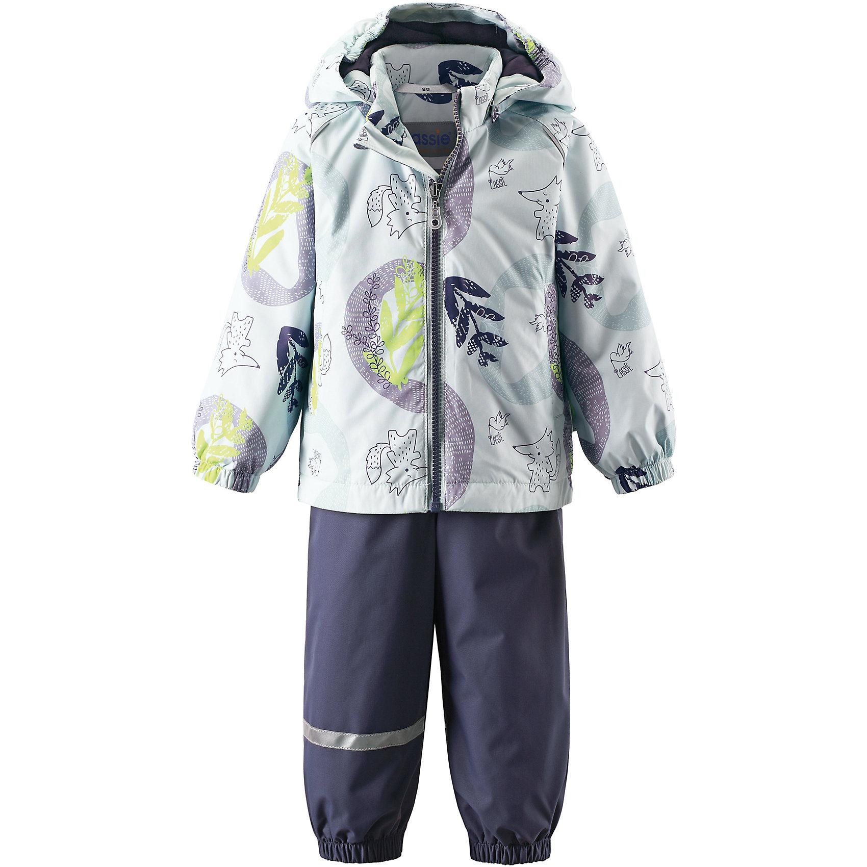 Комплект LASSIEВерхняя одежда<br>Комплект LASSIE<br>Состав:<br>100% Полиэстер, полиуретановое покрытие<br> Демисезонный комплект для самых маленьких.<br> Водоотталкивающий, ветронепроницаемый и «дышащий» материал.<br> Гладкая подкладка из полиэстра.<br> Легкая степень утепления.<br> Безопасный, съемный капюшон.<br> Эластичные манжеты.<br> Регулируемый обхват талии.<br> Эластичные штанины.<br> Съемные штрипки.<br> Два прорезных кармана.<br> Регулируемые эластичные подтяжки.<br><br>Ширина мм: 190<br>Глубина мм: 74<br>Высота мм: 229<br>Вес г: 236<br>Цвет: зеленый<br>Возраст от месяцев: 9<br>Возраст до месяцев: 12<br>Пол: Унисекс<br>Возраст: Детский<br>Размер: 80,86,98,74,92<br>SKU: 5264812