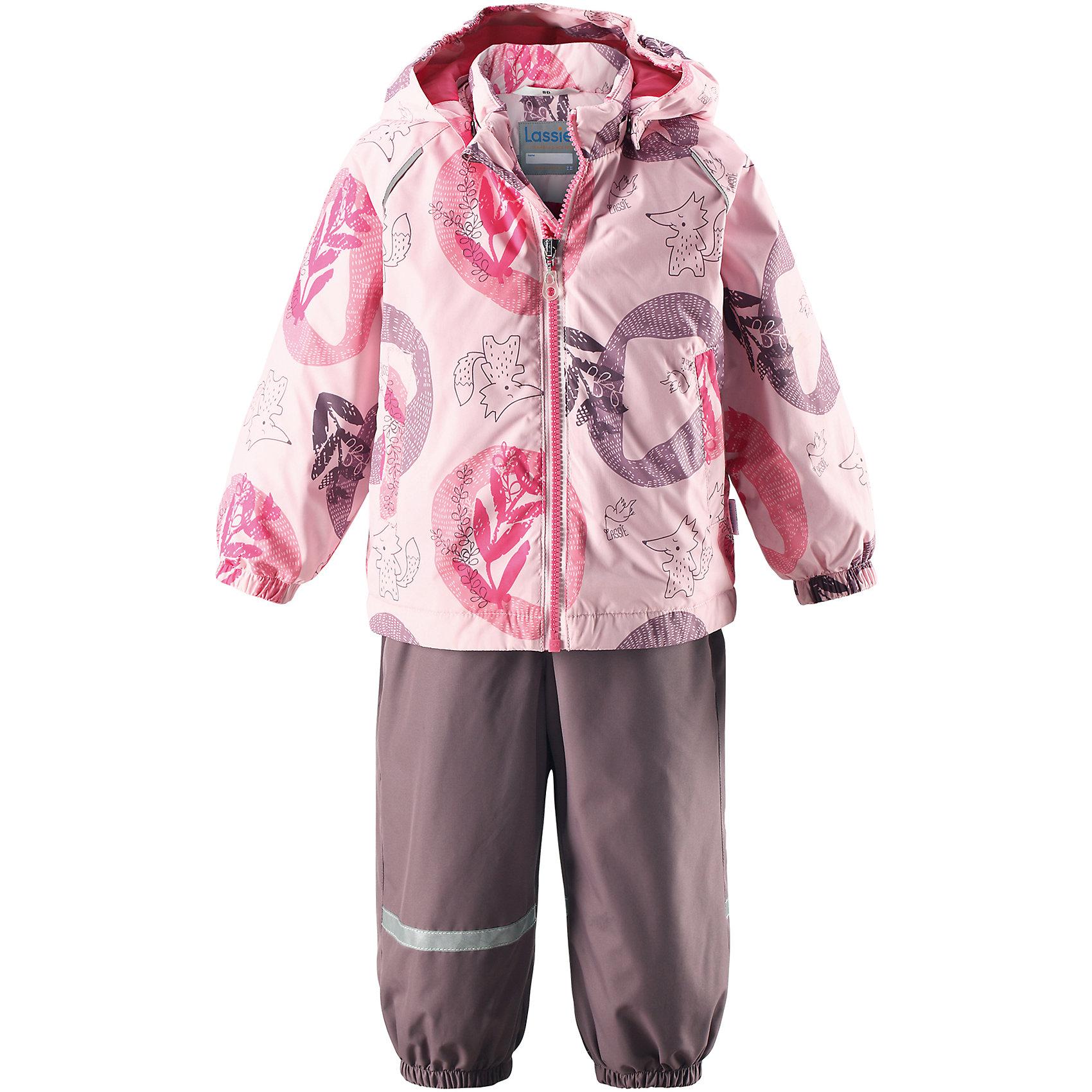 Комплект LASSIEВерхняя одежда<br>Комплект LASSIE<br>Состав:<br>100% Полиэстер, полиуретановое покрытие<br> Демисезонный комплект для самых маленьких.<br> Водоотталкивающий, ветронепроницаемый и «дышащий» материал.<br> Гладкая подкладка из полиэстра.<br> Легкая степень утепления.<br> Безопасный, съемный капюшон.<br> Эластичные манжеты.<br> Регулируемый обхват талии.<br> Эластичные штанины.<br> Съемные штрипки.<br> Два прорезных кармана.<br> Регулируемые эластичные подтяжки.<br><br>Ширина мм: 190<br>Глубина мм: 74<br>Высота мм: 229<br>Вес г: 236<br>Цвет: розовый<br>Возраст от месяцев: 6<br>Возраст до месяцев: 9<br>Пол: Женский<br>Возраст: Детский<br>Размер: 74,98,86,80,92<br>SKU: 5264824