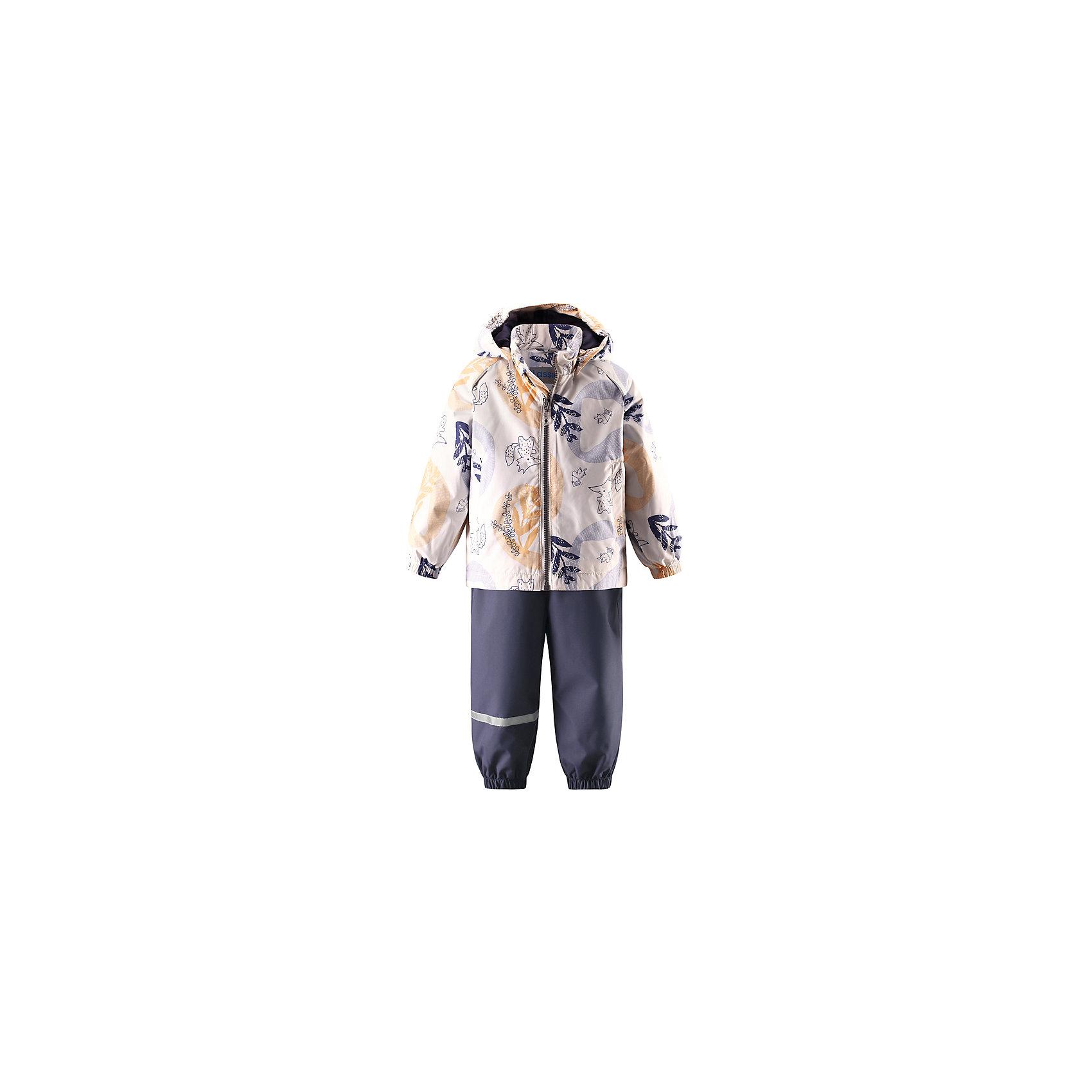 Комплект LASSIEВерхняя одежда<br>Характеристики товара:<br><br>• цвет: молочный/серый<br>• состав: 100% полиэстер, полиуретановое покрытие<br>• водоотталкивающий, ветронепроницаемый и «дышащий» материал<br>• состав: 100% полиэстер, мембрана 100% полиуретан.<br>• водонепроницаемость: 1000 мм<br>• сопротивление трению: 20000 циклов (тест Мартиндейла).<br>• легкий утеплитель: 80 гр/м2<br>• комплектация: куртка, штаны<br>• съемные штрипки<br>• подкладка: гладкий полиэстер<br>• съемный капюшон<br>• два прорезных кармана<br>• эластичные подтяжки регулируются<br>• эластичные манжеты и штанины<br>• обхват талии регулируется<br>• светоотражающие детали<br>• комфортная посадка<br>• страна производства: Китай<br>• страна бренда: Финляндия<br>• коллекция: весна-лето 2017<br><br>Демисезонный комплект из куртки и штанов поможет обеспечить ребенку комфорт и тепло. Предметы отлично смотрятся с различной одеждой. Комплект удобно сидит и модно выглядит. Материал - водоотталкивающий, ветронепроницаемый и «дышащий». Продуманный крой разрабатывался специально для детей.<br><br>Обувь и одежда от финского бренда LASSIE by Reima пользуются популярностью во многих странах. Они стильные, качественные и удобные. Для производства продукции используются только безопасные, проверенные материалы и фурнитура. Порадуйте ребенка модными и красивыми вещами от Lassie®! <br><br>Комплект от финского бренда LASSIE by Reima можно купить в нашем интернет-магазине.<br><br>Ширина мм: 190<br>Глубина мм: 74<br>Высота мм: 229<br>Вес г: 236<br>Цвет: белый<br>Возраст от месяцев: 18<br>Возраст до месяцев: 24<br>Пол: Унисекс<br>Возраст: Детский<br>Размер: 92,86,80,98,74<br>SKU: 5264830