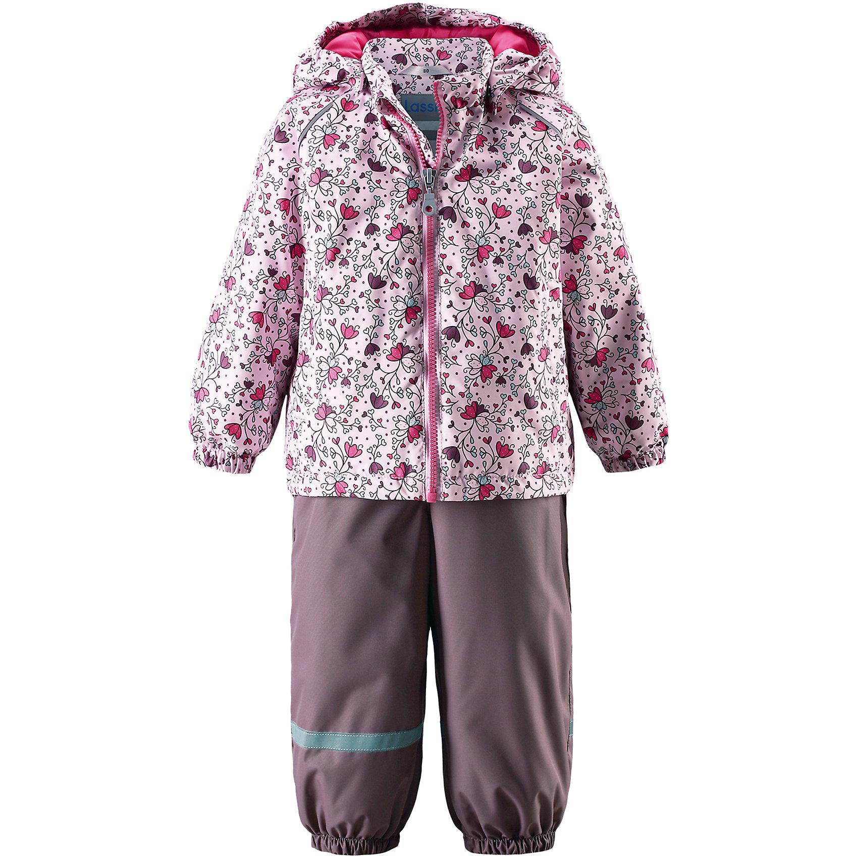 Комплект LASSIEВерхняя одежда<br>Комплект LASSIE<br>Состав:<br>100% Полиэстер, полиуретановое покрытие<br> Демисезонный комплект для самых маленьких.<br> Водоотталкивающий, ветронепроницаемый и «дышащий» материал.<br> Гладкая подкладка из полиэстра.<br> Легкая степень утепления.<br> Безопасный, съемный капюшон.<br> Эластичные манжеты.<br> Регулируемый обхват талии.<br> Эластичные штанины.<br> Съемные штрипки.<br> Два прорезных кармана.<br> Регулируемые эластичные подтяжки.<br><br>Ширина мм: 356<br>Глубина мм: 10<br>Высота мм: 245<br>Вес г: 519<br>Цвет: розовый<br>Возраст от месяцев: 6<br>Возраст до месяцев: 9<br>Пол: Женский<br>Возраст: Детский<br>Размер: 74,92,98,86,80<br>SKU: 5264886