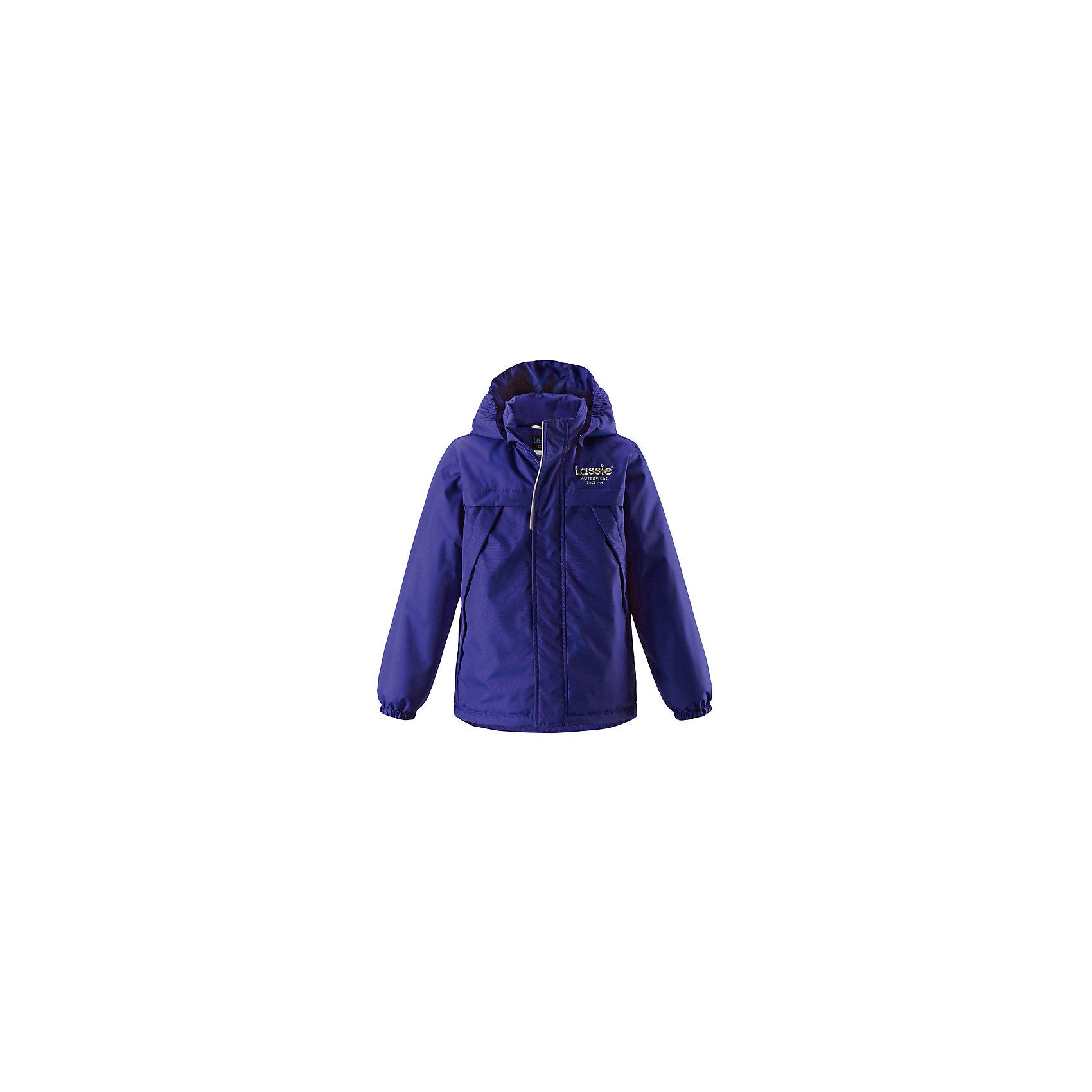 Куртка  для мальчика LASSIEОдежда<br>Куртка  для мальчика LASSIE<br>Состав:<br>100% Полиэстер, полиуретановое покрытие<br> Куртка демисезонная для детей<br> Водоотталкивающий, ветронепроницаемый и «дышащий» материал<br> Гладкая подкладка из полиэстра<br> Легкая степень утепления<br> Безопасный, съемный капюшон<br> Эластичные манжеты<br> Регулируемый подол<br> Передние карманы<br><br>Ширина мм: 356<br>Глубина мм: 10<br>Высота мм: 245<br>Вес г: 519<br>Цвет: синий<br>Возраст от месяцев: 18<br>Возраст до месяцев: 24<br>Пол: Мужской<br>Возраст: Детский<br>Размер: 92,128,140,134,122,116,110,104,98<br>SKU: 5265070