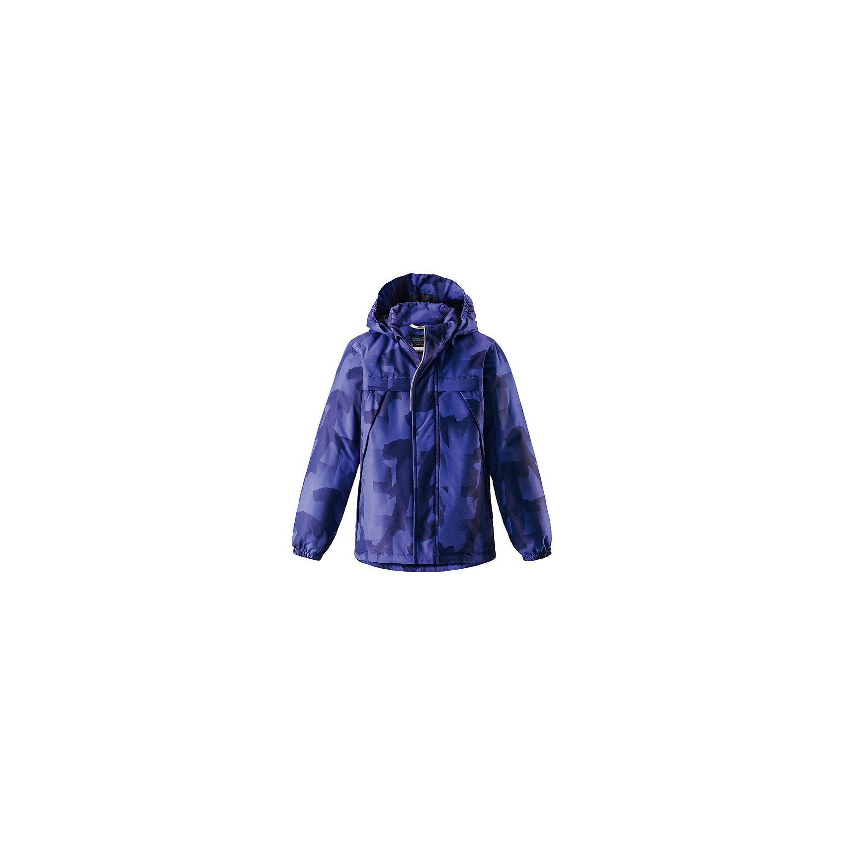 Куртка  для мальчика LASSIEОдежда<br>Характеристики товара:<br><br>• цвет: синий принт<br>• температурный режим: от +10°до 0°С<br>• состав: 100% полиэстер, мембрана 100% полиуретан.<br>• легкий утеплитель: 80 гр/м2<br>• водонепроницаемость: 1000 мм<br>• сопротивление трению: 20000 циклов (тест Мартиндейла).<br>• водоотталкивающий, ветронепроницаемый и «дышащий» материал<br>• карманы <br>• отстегивающийся капюшон<br>• молния<br>• планка от ветра<br>• эластичные манжеты<br>• комфортная посадка<br>• страна производства: Китай<br>• страна бренда: Финляндия<br>• коллекция: весна-лето 2017<br><br>Демисезонная куртка поможет обеспечить ребенку комфорт и тепло. Она отлично смотрится с различной одеждой и обувью. Изделие удобно сидит и модно выглядит. Материал - водоотталкивающий, ветронепроницаемый и «дышащий». Продуманный крой разрабатывался специально для детей.<br><br>Обувь и одежда от финского бренда LASSIE пользуются популярностью во многих странах. Они стильные, качественные и удобные. Для производства продукции используются только безопасные, проверенные материалы и фурнитура. Порадуйте ребенка модными и красивыми вещами от Lassie®!<br><br>Куртку для мальчика от финского бренда LASSIE можно купить в нашем интернет-магазине.<br><br>Ширина мм: 356<br>Глубина мм: 10<br>Высота мм: 245<br>Вес г: 519<br>Цвет: синий<br>Возраст от месяцев: 18<br>Возраст до месяцев: 24<br>Пол: Мужской<br>Возраст: Детский<br>Размер: 92,134,140,128,122,116,110,104,98<br>SKU: 5265080
