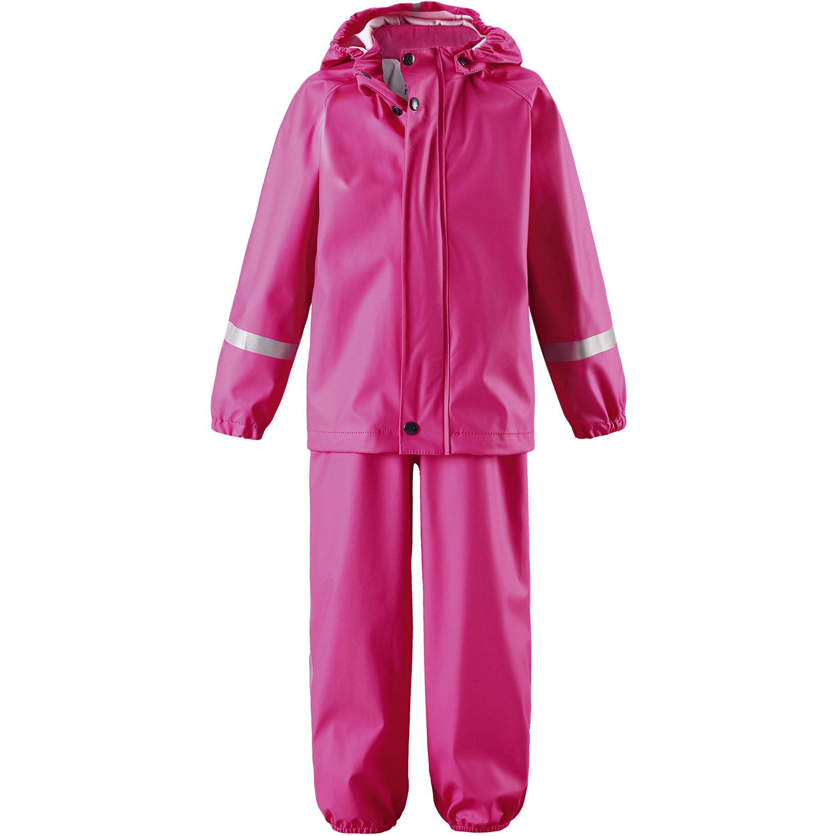 Непромокаемый комплект Tihku: куртка и брюки для девочки ReimaОдежда<br>Характеристики товара:<br><br>• цвет: розовый<br>• состав: 100% полиэстер, полиуретановое покрытие<br>• температурный режим: от +10°до +20°С<br>• водонепроницаемость: 10000 мм<br>• без утеплителя<br>• комплектация: куртка, штаны<br>• водонепроницаемый материал с запаянными швами<br>• эластичный материал<br>• не содержит ПВХ<br>• безопасный съемный капюшон<br>• эластичные манжеты <br>• регулируемая талия<br>• эластичные манжеты на брючинах<br>• комфортная посадка<br>• съемные эластичные штрипки <br>• регулируемые подтяжки<br>• спереди застёгивается на молнию<br>• светоотражающие детали<br>• страна производства: Китай<br>• страна бренда: Финляндия<br>• коллекция: весна-лето 2017<br><br>Демисезонный комплект из куртки и штанов поможет обеспечить ребенку комфорт и тепло. Предметы отлично смотрятся с различной одеждой. Комплект удобно сидит и модно выглядит. Материал отлично подходит для дождливой погоды. Стильный дизайн разрабатывался специально для детей.<br><br>Обувь и одежда от финского бренда Reima пользуются популярностью во многих странах. Они стильные, качественные и удобные. Для производства продукции используются только безопасные, проверенные материалы и фурнитура.<br><br>Комплект: куртка и брюки для мальчика от финского бренда Reima (Рейма) можно купить в нашем интернет-магазине.<br><br>Ширина мм: 356<br>Глубина мм: 10<br>Высота мм: 245<br>Вес г: 519<br>Цвет: розовый<br>Возраст от месяцев: 6<br>Возраст до месяцев: 9<br>Пол: Женский<br>Возраст: Детский<br>Размер: 74,80,86,92,98,104,110,116<br>SKU: 5265445