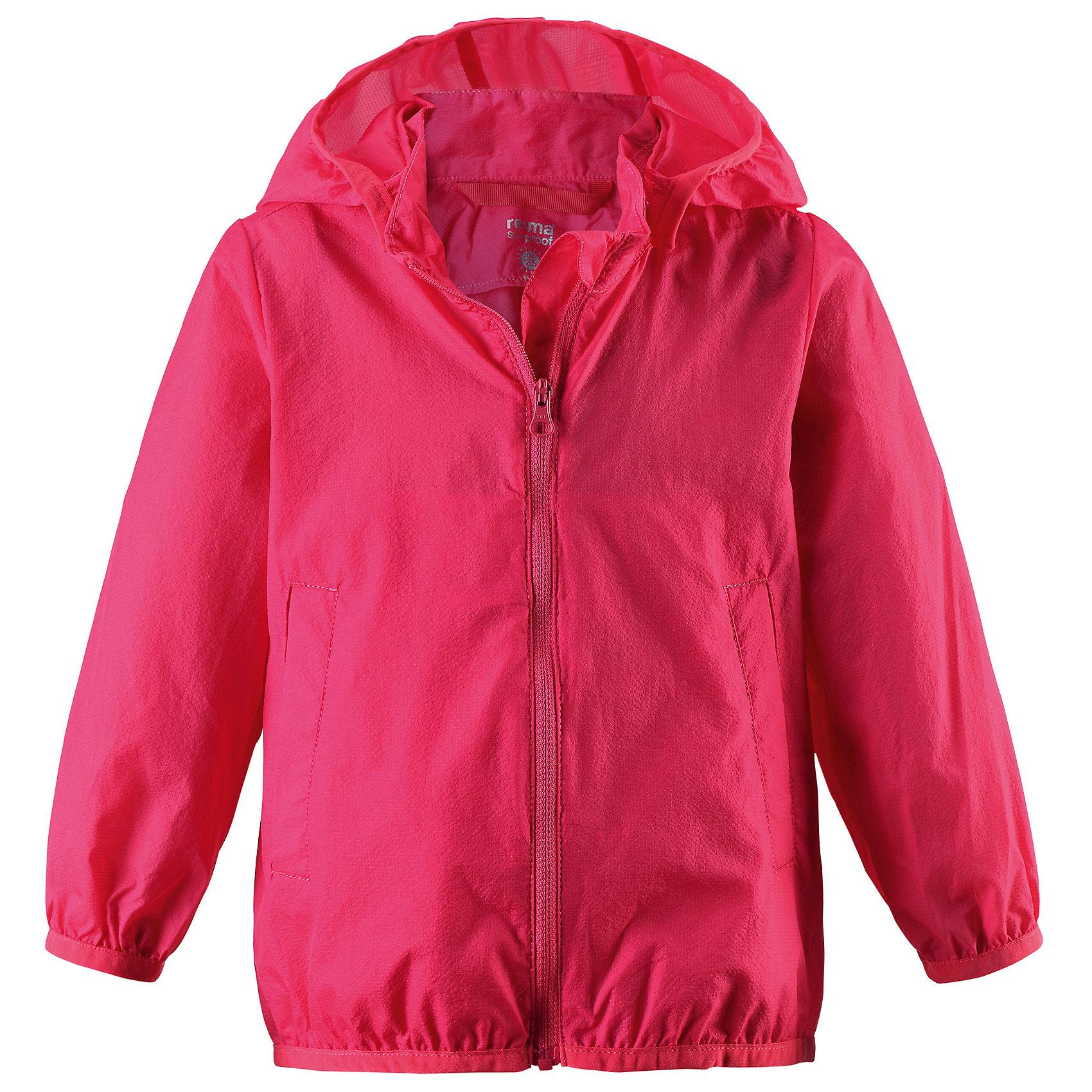 Ветровка Sorriso для девочки ReimaХарактеристики товара:<br><br>• цвет: красный<br>• состав: 100% полиамид<br>• температурный режим: от +10°до +20°С<br>• легкий, водоотталкивающий и «дышащий» материал<br>• без подкладки<br>• безопасный съёмный капюшон<br>• эластичная сборка по краю капюшона, на манжетах и на подоле<br>• куртку можно свернуть в собственный карман<br>• молния<br>• комфортная посадка<br>• страна производства: Китай<br>• страна бренда: Финляндия<br>• коллекция: весна-лето 2017<br><br>Верхняя одежда для детей может быть модной и комфортной одновременно! Легкая куртка поможет обеспечить ребенку комфорт и тепло. Она отлично смотрится с различной одеждой и обувью. Изделие удобно сидит и модно выглядит. Материал - прочный, хорошо подходящий для межсезонья. Стильный дизайн разрабатывался специально для детей.<br><br>Одежда и обувь от финского бренда Reima пользуется популярностью во многих странах. Эти изделия стильные, качественные и удобные. Для производства продукции используются только безопасные, проверенные материалы и фурнитура. Порадуйте ребенка модными и красивыми вещами от Reima! <br><br>Куртку для девочки от финского бренда Reima (Рейма) можно купить в нашем интернет-магазине.<br><br>Ширина мм: 356<br>Глубина мм: 10<br>Высота мм: 245<br>Вес г: 519<br>Цвет: красный<br>Возраст от месяцев: 18<br>Возраст до месяцев: 24<br>Пол: Женский<br>Возраст: Детский<br>Размер: 92,80,98,74,86<br>SKU: 5265526