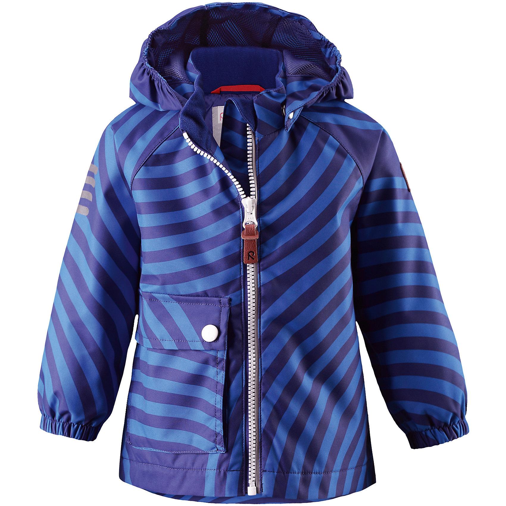 Куртка Leikki для мальчика Reimatec® ReimaВерхняя одежда<br>Характеристики товара:<br><br>• цвет: синий<br>• состав: 100% полиэстер, полиуретановое покрытие<br>• температурный режим: от +5°до +15°С<br>• водонепроницаемость: 8000 мм<br>• воздухопроницаемость: 5000 мм<br>• износостойкость: 30000 циклов (тест Мартиндейла)<br>• без утеплителя<br>• швы проклеены, водонепроницаемы<br>• водо- и ветронепроницаемый, дышащий, грязеотталкивающий материал<br>• гладкая подкладка из полиэстера<br>• эластичные манжеты<br>• карман с клапаном<br>• светоотражающие детали<br>• комфортная посадка<br>• страна производства: Китай<br>• страна бренда: Финляндия<br>• коллекция: весна-лето 2017<br><br>Верхняя одежда для детей может быть модной и комфортной одновременно! Демисезонная куртка поможет обеспечить ребенку комфорт и тепло. Она отлично смотрится с различной одеждой и обувью. Изделие удобно сидит и модно выглядит. Материал - прочный, хорошо подходящий для межсезонья, водо- и ветронепроницаемый, «дышащий». Стильный дизайн разрабатывался специально для детей.<br><br>Одежда и обувь от финского бренда Reima пользуется популярностью во многих странах. Эти изделия стильные, качественные и удобные. Для производства продукции используются только безопасные, проверенные материалы и фурнитура. Порадуйте ребенка модными и красивыми вещами от Reima! <br><br>Куртку для мальчика Reimatec® от финского бренда Reima (Рейма) можно купить в нашем интернет-магазине.<br><br>Ширина мм: 356<br>Глубина мм: 10<br>Высота мм: 245<br>Вес г: 519<br>Цвет: синий<br>Возраст от месяцев: 18<br>Возраст до месяцев: 24<br>Пол: Мужской<br>Возраст: Детский<br>Размер: 92,74,80,98,86<br>SKU: 5265550