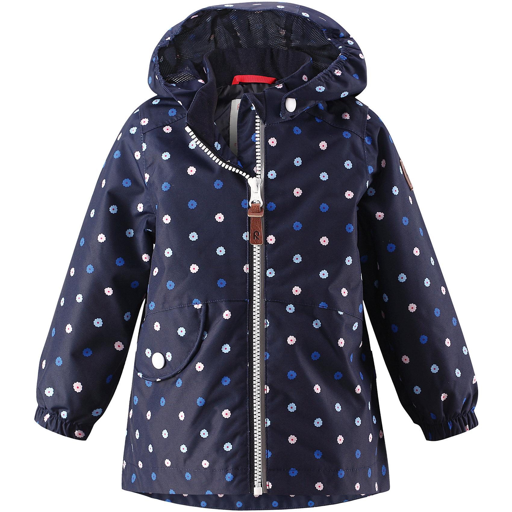 Куртка Hymy для девочки Reimatec® ReimaВерхняя одежда<br>Характеристики товара:<br><br>• цвет: синий<br>• состав: 100% полиэстер, полиуретановое покрытие<br>• температурный режим от +5° до +15°С<br>• водонепроницаемость: 8000 мм<br>• воздухопроницаемость: 5000 мм<br>• износостойкость: 30000 циклов (тест Мартиндейла)<br>• без утеплителя<br>• швы проклеены, водонепроницаемы<br>• водо- и ветронепроницаемый, дышащий, грязеотталкивающий материал<br>• гладкая подкладка из полиэстера<br>• эластичные манжеты<br>• удлиненный сзади подол<br>• отстегивающийся капюшон<br>• карман с клапаном<br>• светоотражающие детали<br>• комфортная посадка<br>• страна производства: Китай<br>• страна бренда: Финляндия<br>• коллекция: весна-лето 2017<br><br>Верхняя одежда для детей может быть модной и комфортной одновременно! Демисезонная куртка поможет обеспечить ребенку комфорт и тепло. Она отлично смотрится с различной одеждой и обувью. Изделие удобно сидит и модно выглядит. Материал - прочный, хорошо подходящий для межсезонья, водо- и ветронепроницаемый, «дышащий». Стильный дизайн разрабатывался специально для детей.<br><br>Одежда и обувь от финского бренда Reima пользуется популярностью во многих странах. Эти изделия стильные, качественные и удобные. Для производства продукции используются только безопасные, проверенные материалы и фурнитура. Порадуйте ребенка модными и красивыми вещами от Reima! <br><br>Куртку для девочки Reimatec® от финского бренда Reima (Рейма) можно купить в нашем интернет-магазине.<br><br>Ширина мм: 356<br>Глубина мм: 10<br>Высота мм: 245<br>Вес г: 519<br>Цвет: синий<br>Возраст от месяцев: 18<br>Возраст до месяцев: 24<br>Пол: Женский<br>Возраст: Детский<br>Размер: 92,98,86,74,80<br>SKU: 5265562