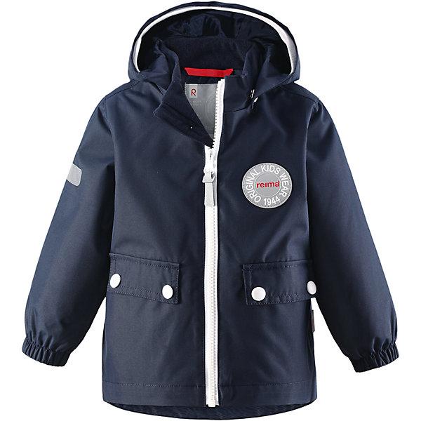 Куртка Quilt для мальчика Reimatec® ReimaВерхняя одежда<br>Характеристики товара:<br><br>• цвет: темно-синий<br>• состав: 100% полиэстер, полиуретановое покрытие<br>• температурный режим: от +5°до +15°С<br>• водонепроницаемость: 8000 мм<br>• воздухопроницаемость: 5000 мм<br>• износостойкость: 30000 циклов (тест Мартиндейла)<br>• без утеплителя<br>• швы проклеены, водонепроницаемы<br>• водо- и ветронепроницаемый, дышащий, грязеотталкивающий материал<br>• безопасный съёмный капюшон<br>• эластичные манжеты<br>• грязеотталкивающий материал<br>• два кармана с клапанами<br>• светоотражающие детали<br>• мягкая резинка на кромке капюшона<br>• комфортная посадка<br>• страна производства: Китай<br>• страна бренда: Финляндия<br>• коллекция: весна-лето 2017<br><br>Верхняя одежда для детей может быть модной и комфортной одновременно! Демисезонная куртка поможет обеспечить ребенку комфорт и тепло. Она отлично смотрится с различной одеждой и обувью. Изделие удобно сидит и модно выглядит. Материал - прочный, хорошо подходящий для межсезонья, водо- и ветронепроницаемый, «дышащий». Стильный дизайн разрабатывался специально для детей.<br><br>Одежда и обувь от финского бренда Reima пользуется популярностью во многих странах. Эти изделия стильные, качественные и удобные. Для производства продукции используются только безопасные, проверенные материалы и фурнитура. Порадуйте ребенка модными и красивыми вещами от Reima! <br><br>Куртку для мальчика Reimatec® от финского бренда Reima (Рейма) можно купить в нашем интернет-магазине.<br>Ширина мм: 356; Глубина мм: 10; Высота мм: 245; Вес г: 519; Цвет: темно-синий; Возраст от месяцев: 11; Возраст до месяцев: 15; Пол: Мужской; Возраст: Детский; Размер: 80,74,98,92,86; SKU: 5265574;