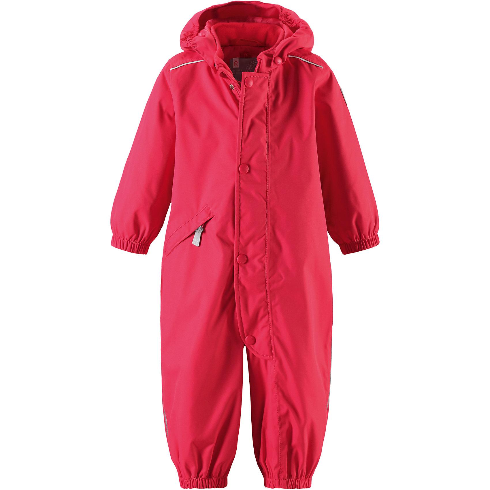 Комбинезон Fudge для девочки Reimatec® ReimaВерхняя одежда<br>Характеристики товара:<br><br>• цвет: красный<br>• состав: 100% полиэстер, полиуретановое покрытие<br>• температурный режим: от +5° до +15°С<br>• водонепроницаемость: 15000 мм<br>• воздухопроницаемость: 5000 мм<br>• износостойкость: 40000 циклов (тест Мартиндейла)<br>• без утеплителя<br>• швы проклеены, водонепроницаемы<br>• водо- и ветронепроницаемый, дышащий, грязеотталкивающий материал<br>• гладкая подкладка из полиэстера по всему изделию, mtsh-сетка на капюшоне<br>• безопасный съёмный капюшон<br>• эластичные манжеты<br>• прочные съёмные силиконовые штрипки<br>• длинная застёжка на молнии облегчает надевание<br>• карман на молнии<br>• комфортная посадка<br>• страна производства: Китай<br>• страна бренда: Финляндия<br>• коллекция: весна-лето 2017<br><br>Верхняя одежда для детей может быть модной и комфортной одновременно! Демисезонный комбинезон поможет обеспечить ребенку комфорт и тепло. Он отлично смотрится с различной обувью. Изделие удобно сидит и модно выглядит. Материал - прочный, хорошо подходящий для межсезонья, водо- и ветронепроницаемый, «дышащий». Стильный дизайн разрабатывался специально для детей.<br><br>Одежда и обувь от финского бренда Reima пользуется популярностью во многих странах. Эти изделия стильные, качественные и удобные. Для производства продукции используются только безопасные, проверенные материалы и фурнитура. Порадуйте ребенка модными и красивыми вещами от Reima! <br><br>Комбинезон для девочки Reimatec® от финского бренда Reima (Рейма) можно купить в нашем интернет-магазине.<br><br>Ширина мм: 356<br>Глубина мм: 10<br>Высота мм: 245<br>Вес г: 519<br>Цвет: розовый<br>Возраст от месяцев: 24<br>Возраст до месяцев: 36<br>Пол: Женский<br>Возраст: Детский<br>Размер: 98,92,74,80,86<br>SKU: 5265640