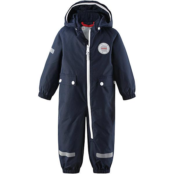 Комбинезон Fangsn для мальчика Reimatec® ReimaВерхняя одежда<br>Характеристики товара:<br><br>• цвет: темно-синий<br>• состав: 100% полиэстер, полиуретановое покрытие<br>• температурный режим: от +5° до +15°С<br>• водонепроницаемость: 8000 мм<br>• воздухопроницаемость: 5000 мм<br>• износостойкость: 30000 циклов (тест Мартиндейла)<br>• без утеплителя<br>• швы проклеены, водонепроницаемы<br>• водо- и ветронепроницаемый, дышащий, грязеотталкивающий материал<br>• гладкая подкладка из полиэстера<br>• безопасный съёмный капюшон<br>• мягка резинка по краю капюшона<br>• эластичные манжеты<br>• талия регулируется изнутри<br>• эластичные манжеты на брючинах<br>• съёмные эластичные штрипки<br>• длинная застёжка на молнии облегчает надевание<br>• два накладных кармана<br>• комфортная посадка<br>• страна производства: Китай<br>• страна бренда: Финляндия<br>• коллекция: весна-лето 2017<br><br>Верхняя одежда для детей может быть модной и комфортной одновременно! Демисезонный комбинезон поможет обеспечить ребенку комфорт и тепло. Он отлично смотрится с различной обувью. Изделие удобно сидит и модно выглядит. Материал - прочный, хорошо подходящий для межсезонья, водо- и ветронепроницаемый, «дышащий». Стильный дизайн разрабатывался специально для детей.<br><br>Одежда и обувь от финского бренда Reima пользуется популярностью во многих странах. Эти изделия стильные, качественные и удобные. Для производства продукции используются только безопасные, проверенные материалы и фурнитура. Порадуйте ребенка модными и красивыми вещами от Reima! <br><br>Комбинезон Reimatec® от финского бренда Reima (Рейма) можно купить в нашем интернет-магазине.<br><br>Ширина мм: 356<br>Глубина мм: 10<br>Высота мм: 245<br>Вес г: 519<br>Цвет: синий<br>Возраст от месяцев: 24<br>Возраст до месяцев: 36<br>Пол: Мужской<br>Возраст: Детский<br>Размер: 98,80,74,92,86<br>SKU: 5265670