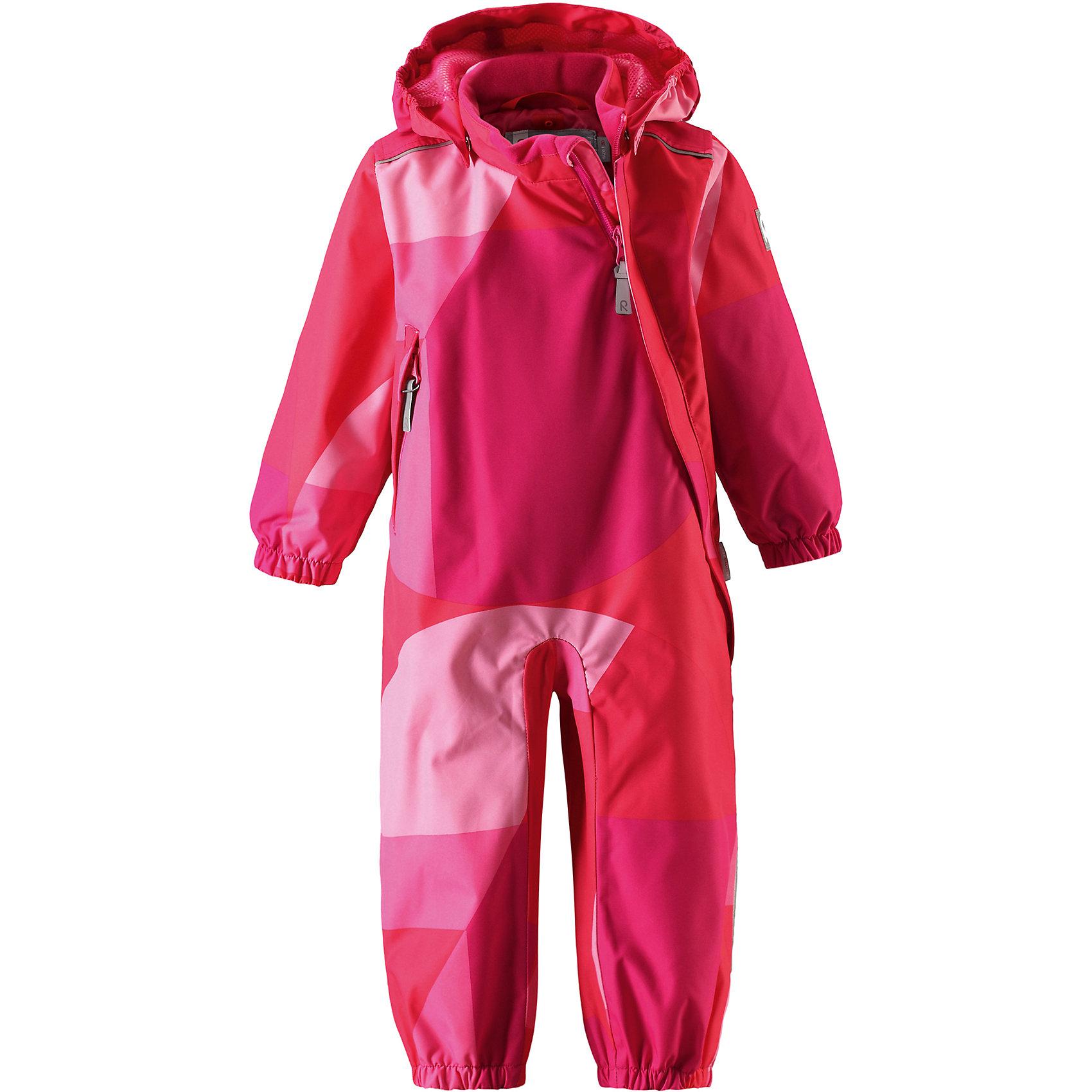 Комбинезон Nauru для девочки Reimatec® ReimaВерхняя одежда<br>Характеристики товара:<br><br>• цвет: розовый<br>• состав: 100% полиэстер, полиуретановое покрытие<br>• температурный режим: от +5° до +15°С<br>• водонепроницаемость: 15000 мм<br>• воздухопроницаемость: 5000 мм<br>• износостойкость: 35000 циклов (тес Мартиндейла)<br>• без утеплителя<br>• все швы проклеены, водонепроницаемы<br>• водо- и ветронепроницаемый, дышащий, грязеотталкивающий материал<br>• гладкая подкладка из полиэстера по всему изделию, mesh сетка на капюшоне<br>• безопасный съёмный капюшон<br>• эластичные манжеты<br>• прочные съёмные силиконовые штрипки<br>• длинная застёжка на молнии облегчает надевание<br>• карман на молнии<br>• комфортная посадка<br>• страна производства: Китай<br>• страна бренда: Финляндия<br>• коллекция: весна-лето 2017<br><br>Верхняя одежда для детей может быть модной и комфортной одновременно! Демисезонный комбинезон поможет обеспечить ребенку комфорт и тепло. Он отлично смотрится с различной обувью. Изделие удобно сидит и модно выглядит. Материал - прочный, хорошо подходящий для межсезонья, водо- и ветронепроницаемый, «дышащий». Стильный дизайн разрабатывался специально для детей.<br><br>Одежда и обувь от финского бренда Reima пользуется популярностью во многих странах. Эти изделия стильные, качественные и удобные. Для производства продукции используются только безопасные, проверенные материалы и фурнитура. Порадуйте ребенка модными и красивыми вещами от Reima! <br><br>Комбинезон для девочки Reimatec® от финского бренда Reima (Рейма) можно купить в нашем интернет-магазине.<br><br>Ширина мм: 356<br>Глубина мм: 10<br>Высота мм: 245<br>Вес г: 519<br>Цвет: розовый<br>Возраст от месяцев: 6<br>Возраст до месяцев: 9<br>Пол: Женский<br>Возраст: Детский<br>Размер: 74,98,92,86,80<br>SKU: 5265784