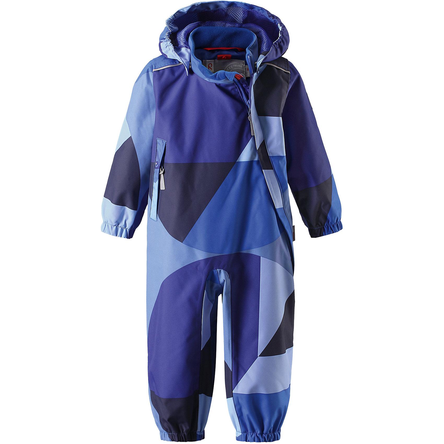 Комбинезон Nauru для мальчика Reimatec® ReimaВерхняя одежда<br>Характеристики товара:<br><br>• цвет: синий<br>• состав: 100% полиэстер, полиуретановое покрытие<br>• температурный режим: от +5° до +15°С<br>• водонепроницаемость: 15000 мм<br>• воздухопроницаемость: 5000 мм<br>• износостойкость: 35000 циклов (тес Мартиндейла)<br>• без утеплителя<br>• все швы проклеены, водонепроницаемы<br>• водо- и ветронепроницаемый, дышащий, грязеотталкивающий материал<br>• гладкая подкладка из полиэстера по всему изделию, mesh сетка на капюшоне<br>• безопасный съёмный капюшон<br>• эластичные манжеты<br>• прочные съёмные силиконовые штрипки<br>• длинная застёжка на молнии облегчает надевание<br>• карман на молнии<br>• комфортная посадка<br>• страна производства: Китай<br>• страна бренда: Финляндия<br>• коллекция: весна-лето 2017<br><br>Верхняя одежда для детей может быть модной и комфортной одновременно! Демисезонный комбинезон поможет обеспечить ребенку комфорт и тепло. Он отлично смотрится с различной обувью. Изделие удобно сидит и модно выглядит. Материал - прочный, хорошо подходящий для межсезонья, водо- и ветронепроницаемый, «дышащий». Стильный дизайн разрабатывался специально для детей.<br><br>Одежда и обувь от финского бренда Reima пользуется популярностью во многих странах. Эти изделия стильные, качественные и удобные. Для производства продукции используются только безопасные, проверенные материалы и фурнитура. Порадуйте ребенка модными и красивыми вещами от Reima! <br><br>Комбинезон для девочки Reimatec® от финского бренда Reima (Рейма) можно купить в нашем интернет-магазине.<br><br>Ширина мм: 356<br>Глубина мм: 10<br>Высота мм: 245<br>Вес г: 519<br>Цвет: синий<br>Возраст от месяцев: 6<br>Возраст до месяцев: 9<br>Пол: Мужской<br>Возраст: Детский<br>Размер: 74,98,92,86,80<br>SKU: 5265790