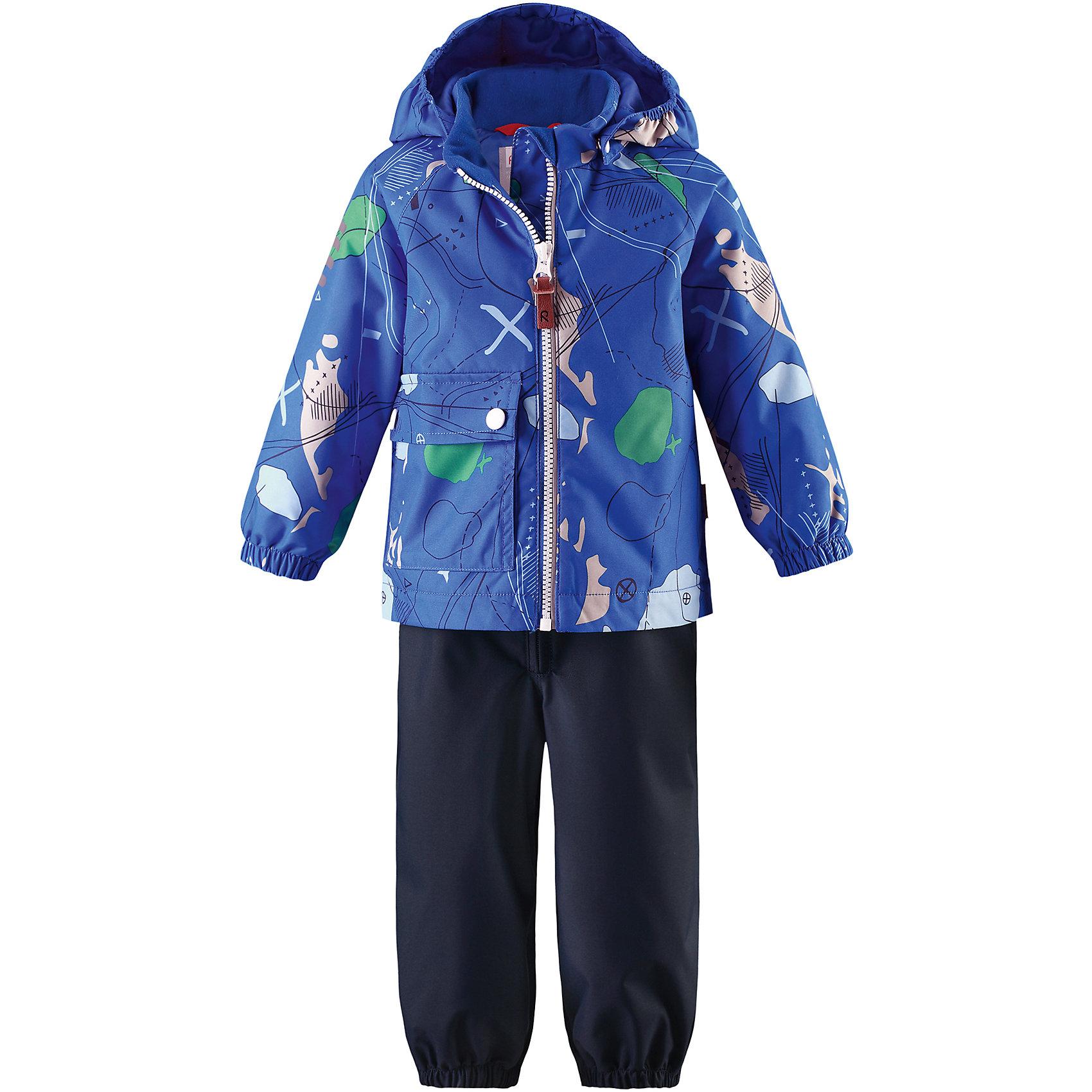 Комплект Leikki: куртка и брюки для мальчика Reimatec® ReimaОдежда<br>Характеристики товара:<br><br>• цвет: синий/темно-синий<br>• состав: 100% полиэстер, полиуретановое покрытие<br>• температурный режим: от 0° до +10°С<br>• легкий утеплитель: 80 гр/м2<br>• водонепроницаемость: 8000 мм<br>• воздухопроницаемость: 5000 мм<br>• износостойкость: 30000 циклов (тест Мартиндейла)<br>• основные швы проклеены, водонепроницаемы<br>• водо- и ветронепроницаемый, дышащий, грязеотталкивающий материал<br>• гладкая подкладка из полиэстера<br>• безопасный съёмный капюшон<br>• эластичные манжеты <br>• комфортная посадка<br>• съемные эластичные штрипки<br>• карман с клапаном<br>• светоотражающие детали<br>• страна производства: Китай<br>• страна бренда: Финляндия<br>• коллекция: весна-лето 2017<br><br>Демисезонный комплект из куртки и штанов поможет обеспечить ребенку комфорт и тепло. Предметы отлично смотрятся с различной одеждой. Комплект удобно сидит и модно выглядит. Материал отлично подходит для дождливой погоды. Стильный дизайн разрабатывался специально для детей.<br><br>Обувь и одежда от финского бренда Reima пользуются популярностью во многих странах. Они стильные, качественные и удобные. Для производства продукции используются только безопасные, проверенные материалы и фурнитура.<br><br>Комплект: куртка и брюки для мальчика Reimatec® от финского бренда Reima (Рейма) можно купить в нашем интернет-магазине.<br><br>Ширина мм: 356<br>Глубина мм: 10<br>Высота мм: 245<br>Вес г: 519<br>Цвет: синий<br>Возраст от месяцев: 6<br>Возраст до месяцев: 9<br>Пол: Мужской<br>Возраст: Детский<br>Размер: 74,92,98,86,80<br>SKU: 5265826