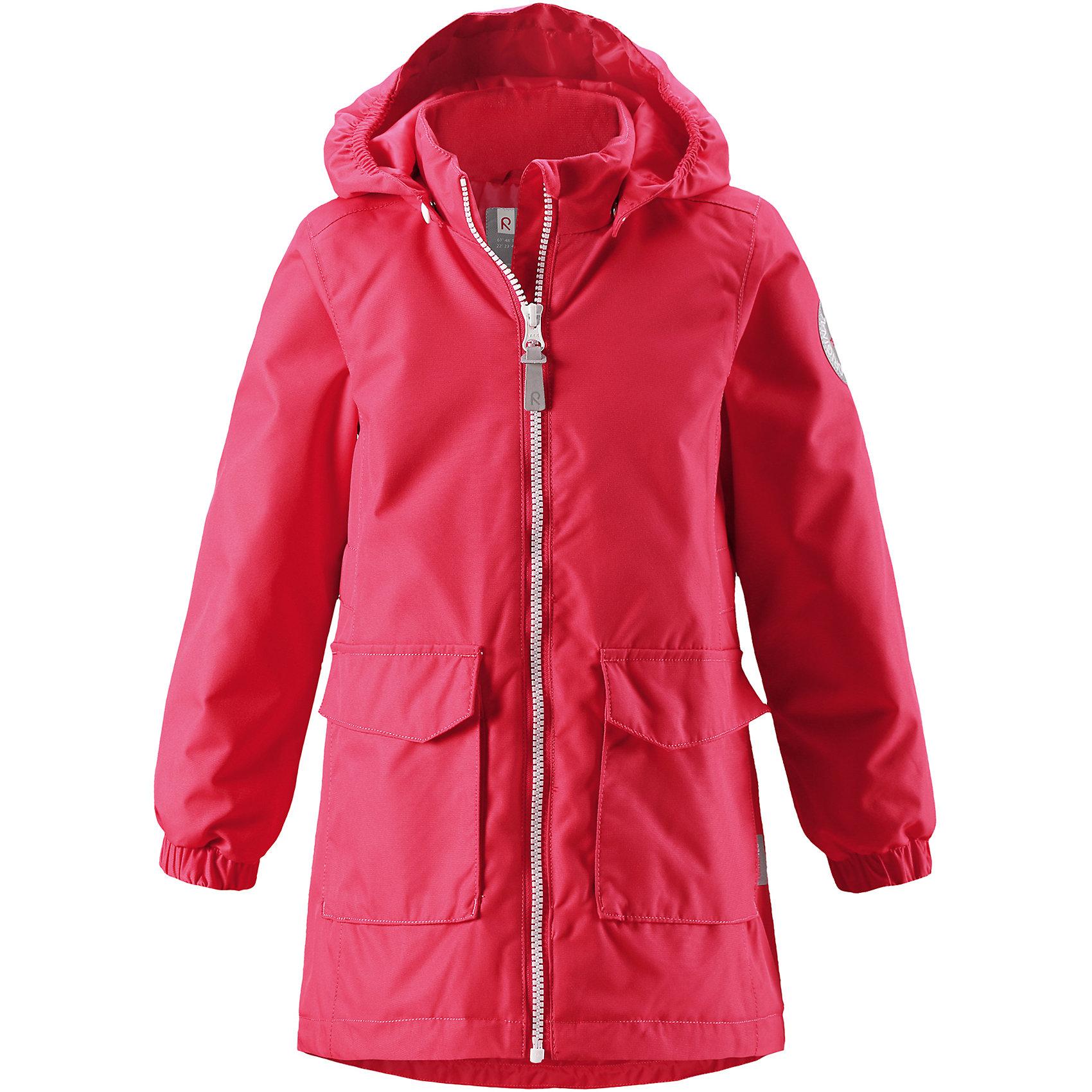 Куртка Satama для девочки Reimatec® ReimaОдежда<br>Характеристики товара:<br><br>• цвет: красный<br>• состав: 100% полиэстер, полиуретановое покрытие<br>• температурный режим: от 0° до +10°С<br>• легкий утеплитель: 80 гр/м2<br>• водонепроницаемость: 8000 мм<br>• воздухопроницаемость: 5000 мм<br>• износостойкость: 30000 циклов (тест Мартиндейла)<br>• основные швы проклеены, водонепроницаемы<br>• водо- и ветронепроницаемый, дышащий, грязеотталкивающий материал<br>• удлинённая модель<br>• гладкая подкладка из полиэстера на туловище, сетчатая подкладка на капюшоне<br>• безопасный съёмный капюшон<br>• эластичные манжеты<br>• регулируемая талия и подол<br>• два накладных кармана<br>• светоотражающие детали<br>• комфортная посадка<br>• страна производства: Китай<br>• страна бренда: Финляндия<br>• коллекция: весна-лето 2017<br><br>В межсезонье верхняя одежда для детей может быть модной и комфортной одновременно! Демисезонная куртка поможет обеспечить ребенку комфорт и тепло. Она отлично смотрится с различной одеждой и обувью. Изделие удобно сидит и модно выглядит. Материал - прочный, хорошо подходящий для межсезонья, водо- и ветронепроницаемый, «дышащий». Стильный дизайн разрабатывался специально для детей.<br><br>Одежда и обувь от финского бренда Reima пользуется популярностью во многих странах. Эти изделия стильные, качественные и удобные. Для производства продукции используются только безопасные, проверенные материалы и фурнитура. Порадуйте ребенка модными и красивыми вещами от Reima! <br><br>Куртку для девочки Reimatec® от финского бренда Reima (Рейма) можно купить в нашем интернет-магазине.<br><br>Ширина мм: 356<br>Глубина мм: 10<br>Высота мм: 245<br>Вес г: 519<br>Цвет: розовый<br>Возраст от месяцев: 72<br>Возраст до месяцев: 84<br>Пол: Женский<br>Возраст: Детский<br>Размер: 122,152,128,158,116,110,104,146,164,98,140,134<br>SKU: 5266024