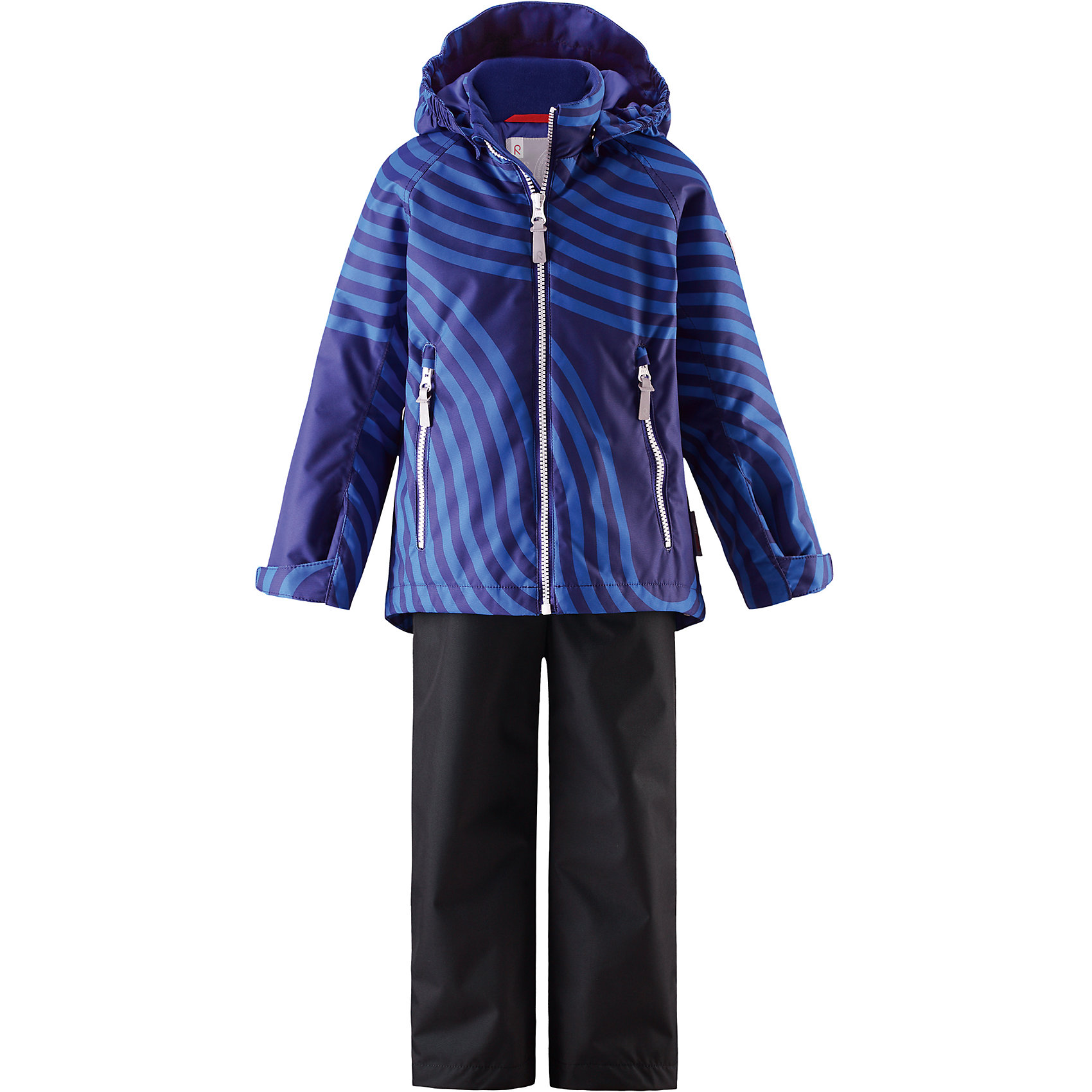 Комплект Seili: куртка и брюки для мальчика Reimatec® ReimaХарактеристики товара:<br><br>• цвет: синий/черный<br>• состав: 100% полиэстер, полиуретановое покрытие<br>• температурный режим: от 0° до +10°С<br>• легкий утеплитель: 80 гр/м2<br>• водонепроницаемость: 10000 мм<br>• воздухопроницаемость: куртка - 5000, брюки - 3000 мм<br>• износостойкость: куртка- 30000, брюки - 50000 циклов (тест Мартиндейла)<br>• основные швы проклеены, водонепроницаемы<br>• водо- и ветронепроницаемый, дышащий, грязеотталкивающий материал<br>• подкладка из мягкого полиэстера<br>• безопасный съёмный капюшон<br>• регулируемые манжеты на застёжке-липучке<br>• регулируемый подол<br>• регулируемые концы брючин<br>• комфортная посадка<br>• отстегивающиеся регулируемые подтяжки<br>• два кармана на молнии<br>• страна производства: Китай<br>• страна бренда: Финляндия<br>• коллекция: весна-лето 2017<br><br>Демисезонный комплект из куртки и штанов поможет обеспечить ребенку комфорт и тепло. Предметы отлично смотрятся с различной одеждой. Комплект удобно сидит и модно выглядит. Материал отлично подходит для дождливой погоды. Стильный дизайн разрабатывался специально для детей.<br><br>Обувь и одежда от финского бренда Reima пользуются популярностью во многих странах. Они стильные, качественные и удобные. Для производства продукции используются только безопасные, проверенные материалы и фурнитура.<br><br>Комплект: куртка и брюки для девочки Reimatec® от финского бренда Reima (Рейма) можно купить в нашем интернет-магазине.<br><br>Ширина мм: 356<br>Глубина мм: 10<br>Высота мм: 245<br>Вес г: 519<br>Цвет: синий<br>Возраст от месяцев: 18<br>Возраст до месяцев: 24<br>Пол: Мужской<br>Возраст: Детский<br>Размер: 92,140,134,128,122,116,110,104,98<br>SKU: 5266060