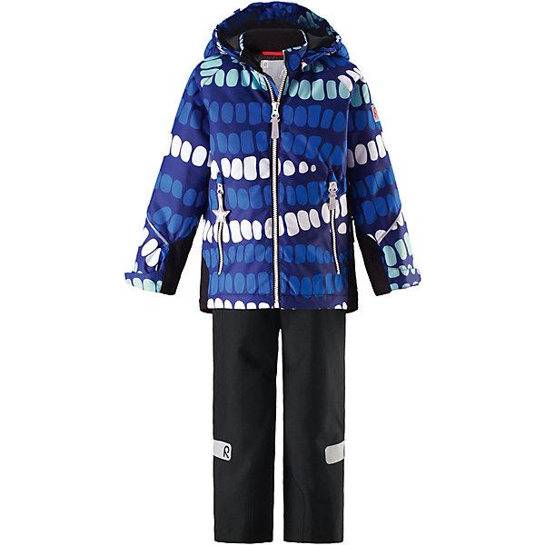Комплект Kiddo Segel: куртка и брюки для мальчика Reimatec® ReimaОдежда<br>Характеристики товара:<br><br>• цвет: синий/черный<br>• состав: 100% полиэстер, полиуретановое покрытие<br>• температурный режим: от 0° до +10°С<br>• легкий утеплитель: 80 гр/м2<br>• водонепроницаемость: куртка - 8000, брюки - 10000<br>• воздухопроницаемость: куртка - 5000, брюки - 3000 мм<br>• износостойкость: куртка - 30000, брюки - 50000 циклов (тест Мартиндейла)<br>• основные швы проклеены, водонепроницаемы<br>• водо- и ветронепроницаемый, дышащий, грязеотталкивающий материал<br>• подкладка из мягкого полиэстера<br>• прочные усиления на рукавах и спинке<br>• безопасный съёмный капюшон<br>• регулируемые манжеты на застёжке-липучке <br>• регулируемый подол<br>• регулируемые концы брючин со снегозащитой<br>• комфортная посадка<br>• два кармана на молнии<br>• светоотражающие детали<br>• страна производства: Китай<br>• страна бренда: Финляндия<br>• коллекция: весна-лето 2017<br><br>Демисезонный комплект из куртки и штанов поможет обеспечить ребенку комфорт и тепло. Предметы отлично смотрятся с различной одеждой. Комплект удобно сидит и модно выглядит. Материал отлично подходит для дождливой погоды. Стильный дизайн разрабатывался специально для детей.<br><br>Обувь и одежда от финского бренда Reima пользуются популярностью во многих странах. Они стильные, качественные и удобные. Для производства продукции используются только безопасные, проверенные материалы и фурнитура.<br><br>Комплект: куртка и брюки для девочки Reimatec® от финского бренда Reima (Рейма) можно купить в нашем интернет-магазине.<br><br>Ширина мм: 356<br>Глубина мм: 10<br>Высота мм: 245<br>Вес г: 519<br>Цвет: синий<br>Возраст от месяцев: 18<br>Возраст до месяцев: 24<br>Пол: Мужской<br>Возраст: Детский<br>Размер: 92,110,104,98,134,140,128,122,116<br>SKU: 5266080