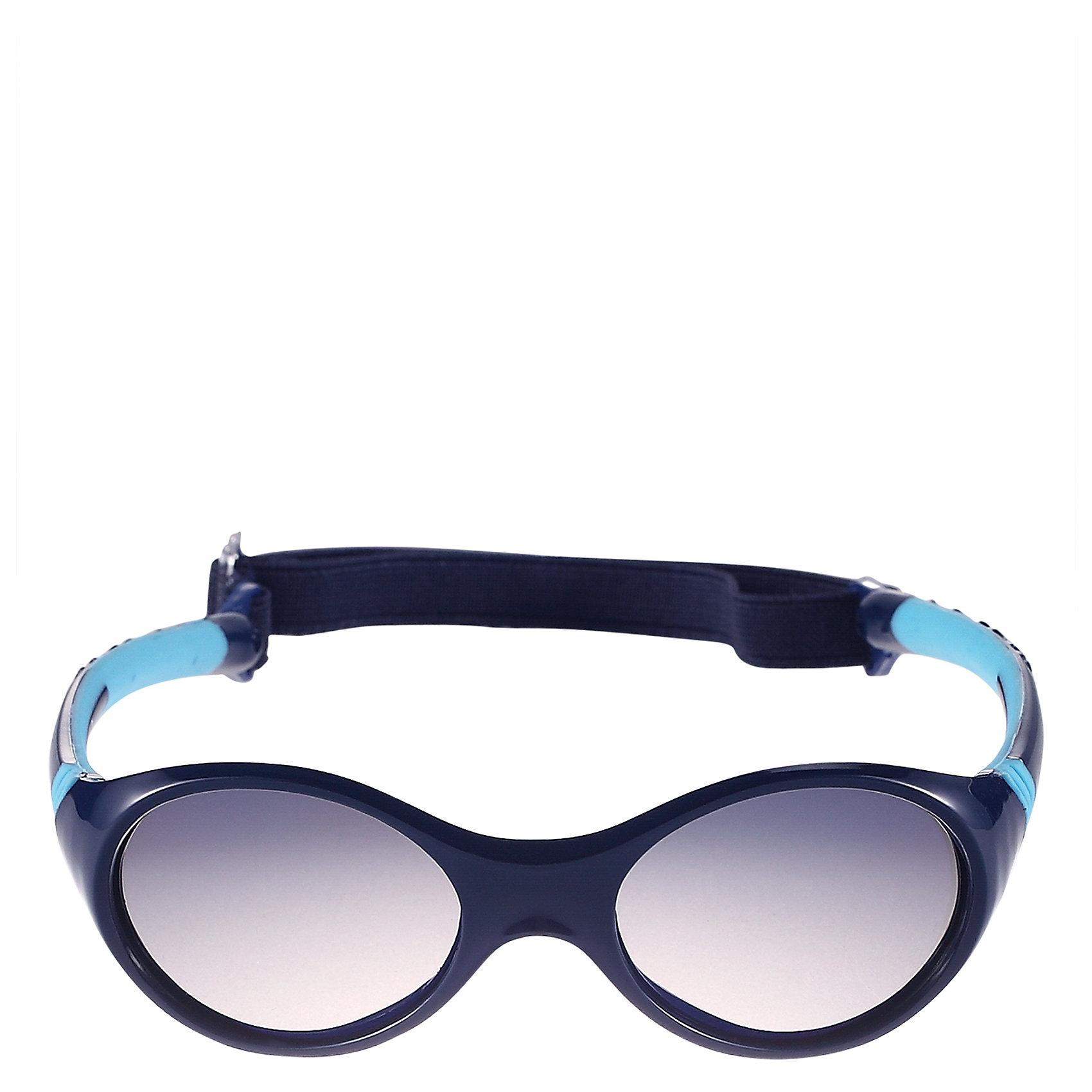 Солнцезащитные очки Maininki для мальчика ReimaХарактеристики товара:<br><br>• цвет: синий<br>• состав: оправа - TPEE/TPR/TR90/Резина, линзы - PC<br>• рекомендовано для детей 0-4 лет<br>• поляризованные зеркальные линзы<br>• обработка противотуманным покрытием<br>• регулируемый размер<br>• мягкая и эластичная оправа <br>• защитный чехол в комплекте<br>• европейский сертификат соответствия<br>• съёмня эластичная резинка<br>• защита от ультрафиолетовых лучей спектра A и спектра B класса 5<br>• страна производства: Китай<br>• страна бренда: Финляндия<br>• коллекция: весна-лето 2017<br><br>Специальные очки помогут уберечь глаза детей от повреждения прямыми солнечными лучами. Эта модель разрабатывалась для малышей - у неё мягкая оправа с очень комфортной посадкой, зеркальные линзы со специальной обработкой, есть защитный чехол. Очки не только хорошо проработаны, они стильно смотрятся!<br><br>Обувь и одежда от финского бренда Reima пользуются популярностью во многих странах. Они стильные, качественные и удобные. Для производства продукции используются только безопасные, проверенные материалы и фурнитура.<br><br>Солнцезащитные очки для мальчика от финского бренда Reima (Рейма) можно купить в нашем интернет-магазине.<br><br>Ширина мм: 170<br>Глубина мм: 157<br>Высота мм: 67<br>Вес г: 117<br>Цвет: синий<br>Возраст от месяцев: 48<br>Возраст до месяцев: 72<br>Пол: Мужской<br>Возраст: Детский<br>Размер: one size<br>SKU: 5266118
