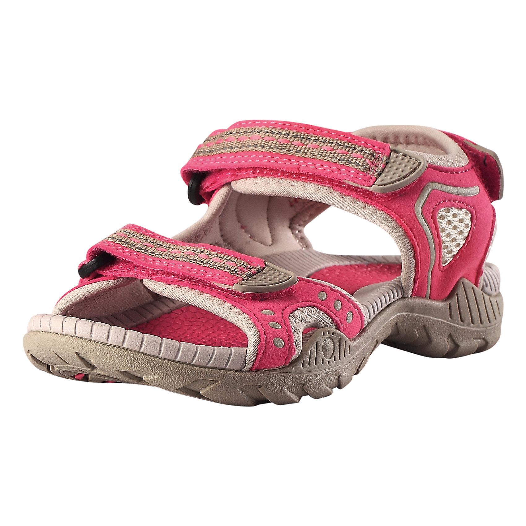 Сандалии Luft для девочки ReimaОбувь<br>Характеристики товара:<br><br>• цвет: розовый/бежевый<br>• состав: верх - ПЭ/ПУ, подошва - термопластичная резина<br>• застежка: три липучки<br>• быстросохнующий материал верха<br>• устойчивая легкая подошва ЭВА<br>• подкладка из лайкры<br>• хорошее сцепление с поверхностью<br>• объем регулируется застежками<br>• страна производства: Китай<br>• страна бренда: Финляндия<br>• коллекция: весна-лето 2017<br><br>Детская обувь может быть модной и комфортной одновременно! Удобные стильные сандалии помогут обеспечить ребенку комфорт и дополнить наряд. Они отлично смотрятся с различной одеждой. Сандалии удобно сидят на ноге и аккуратно смотрятся. Легко чистятся и долго служат. Продуманная конструкция разрабатывалась специально для детей.<br><br>Одежда и обувь от финского бренда Reima пользуется популярностью во многих странах. Эти изделия стильные, качественные и удобные. Для производства продукции используются только безопасные, проверенные материалы и фурнитура. Порадуйте ребенка модными и красивыми вещами от Reima! <br><br>Сандалии для мальчика от финского бренда Reima (Рейма) можно купить в нашем интернет-магазине.<br><br>Ширина мм: 219<br>Глубина мм: 154<br>Высота мм: 121<br>Вес г: 343<br>Цвет: розовый<br>Возраст от месяцев: 156<br>Возраст до месяцев: 168<br>Пол: Женский<br>Возраст: Детский<br>Размер: 37,30,34,31,32,29,33,35,36,28,38<br>SKU: 5267057