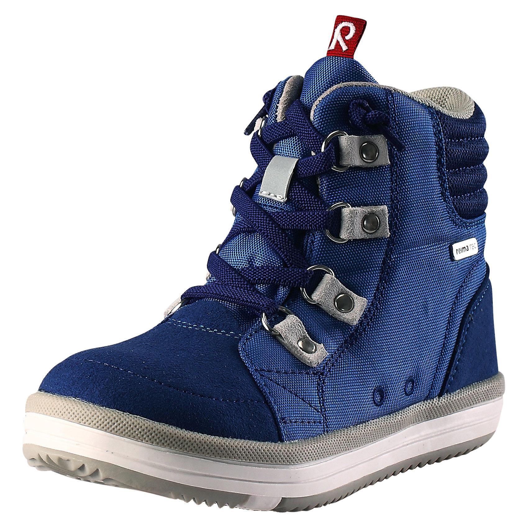 Ботинки Wetter Wash Reimatec® ReimaХарактеристики товара:<br><br>• цвет: синий<br>• состав: верх - ПЭ/ПУ, подошва - термопластичная резина<br>• температурный режим: от +5°до +15°С<br>• застежка: шнуровка<br>• демисезонные<br>• устойчивая подошва<br>• светоотражающие детали<br>• съемные стельки с рисунком Happy Fit, помогающие определить размер<br>• светоотражающие детали<br>• с подкладкой из искусственного меха<br>• усиленная пятка и носок<br>• водонепроницаемая конструкция с герметичными вставками<br>• можно стирать в машине при температуре 30 °C<br>• страна производства: Китай<br>• страна бренда: Финляндия<br>• коллекция: весна-лето 2017<br><br>Детская демисезонная обувь может быть модной и комфортной одновременно! Удобные стильные ботинки помогут обеспечить ребенку комфорт и дополнить наряд. Они отлично смотрятся с различной одеждой. Ботинки Reimatec® удобно сидят на ноге и аккуратно смотрятся. Легко чистятся и долго служат. Продуманная конструкция разрабатывалась специально для детей.<br><br>Одежда и обувь от финского бренда Reima пользуется популярностью во многих странах. Эти изделия стильные, качественные и удобные. Для производства продукции используются только безопасные, проверенные материалы и фурнитура. Порадуйте ребенка модными и красивыми вещами от Reima! <br><br>Ботинки Reimatec® от финского бренда Reima (Рейма) можно купить в нашем интернет-магазине.<br><br>Ширина мм: 262<br>Глубина мм: 176<br>Высота мм: 97<br>Вес г: 427<br>Цвет: синий<br>Возраст от месяцев: 48<br>Возраст до месяцев: 60<br>Пол: Мужской<br>Возраст: Детский<br>Размер: 28,33,34,32,36,30,29,37,35,24,25,38,26,31,27<br>SKU: 5267197