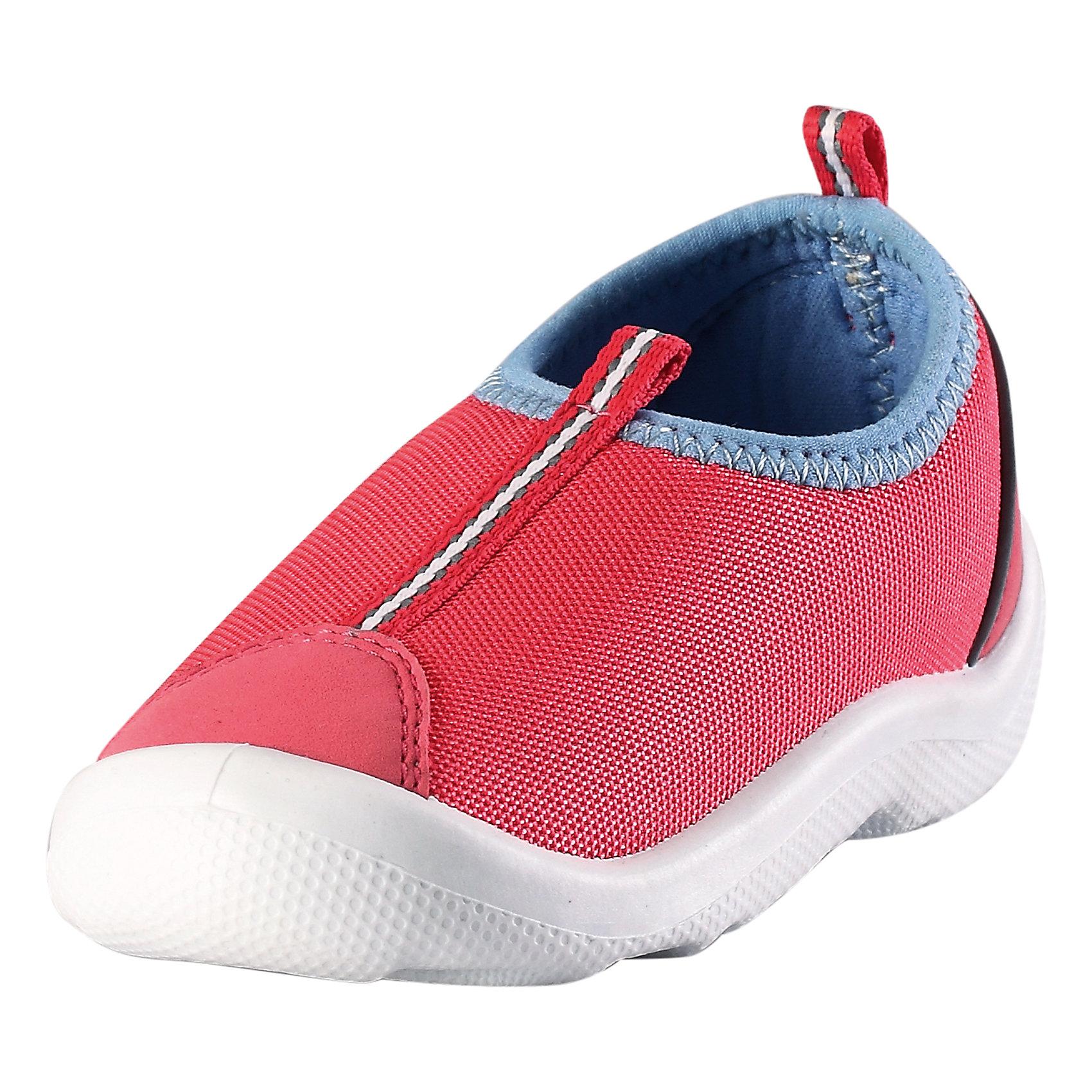 Кроссовки ReimaОбувь<br>Кроссовки  от финского бренда Reima<br>Обувь для малышей. Верх из текстиля. Простой в уходе материал верха защищает от брызг. Прочная, не оставляющая следов подошва обладает антистатическим эффектом. Немаркирующие подошвы. Подкладка из лайкры для удобства использования. Съемные стельки с рисунком Happy Fit, которые помогают определить размер. Легко надеваются на ноги. Можно стирать в машине при температуре 30 °C.<br>Состав:<br>Подошва: Термопластичная резина,  Верх: ПЭ<br><br>Уход:<br>Храните обувь в вертикальном положении при комнатной температуре. Сушить обувь всегда следует при комнатной температуре: вынув съемные стельки. Стельки следует время от времени заменять на новые. Налипшую грязь можно счищать щеткой или влажной тряпкой. Перед использованием обувь рекомендуется обрабатывать специальными защитными средствами.<br><br>Ширина мм: 227<br>Глубина мм: 145<br>Высота мм: 124<br>Вес г: 325<br>Цвет: розовый<br>Возраст от месяцев: 18<br>Возраст до месяцев: 21<br>Пол: Унисекс<br>Возраст: Детский<br>Размер: 23,20,21,24,25,26,27,22<br>SKU: 5267286