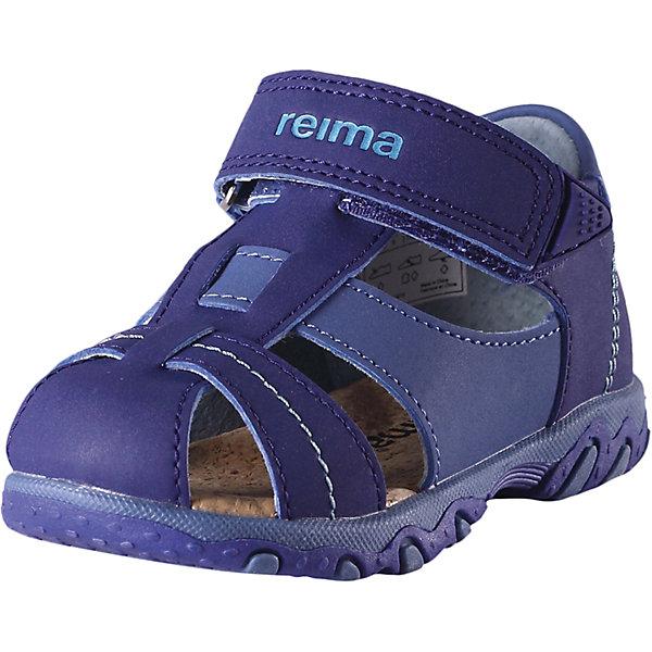 Сандалии Messi  Reima для мальчикаОбувь<br>Характеристики товара:<br><br>• цвет: синий<br>• состав: верх - ПЭ/ПУ, подошва - термопластичная резина<br>• застежка: липучка<br>• устойчивая легкая подошва<br>• стелька из пробки<br>• подкладка из натуральной кожи<br>• сандалии для первых шагов малыша<br>• хорошее сцепление с поверхностью<br>• объем регулируется застежкой<br>• страна производства: Китай<br>• страна бренда: Финляндия<br>• коллекция: весна-лето 2017<br><br>Детская обувь может быть модной и комфортной одновременно! Удобные стильные сандалии помогут обеспечить ребенку комфорт и дополнить наряд. Они отлично смотрятся с различной одеждой. Сандалии удобно сидят на ноге и аккуратно смотрятся. Легко чистятся и долго служат. Продуманная конструкция разрабатывалась специально для детей.<br><br>Одежда и обувь от финского бренда Reima пользуется популярностью во многих странах. Эти изделия стильные, качественные и удобные. Для производства продукции используются только безопасные, проверенные материалы и фурнитура. Порадуйте ребенка модными и красивыми вещами от Reima! <br><br>Сандалии для мальчика от финского бренда Reima (Рейма) можно купить в нашем интернет-магазине.<br>Ширина мм: 219; Глубина мм: 154; Высота мм: 121; Вес г: 343; Цвет: синий; Возраст от месяцев: 9; Возраст до месяцев: 12; Пол: Мужской; Возраст: Детский; Размер: 20,21,22,23,25,24,26,27; SKU: 5267295;