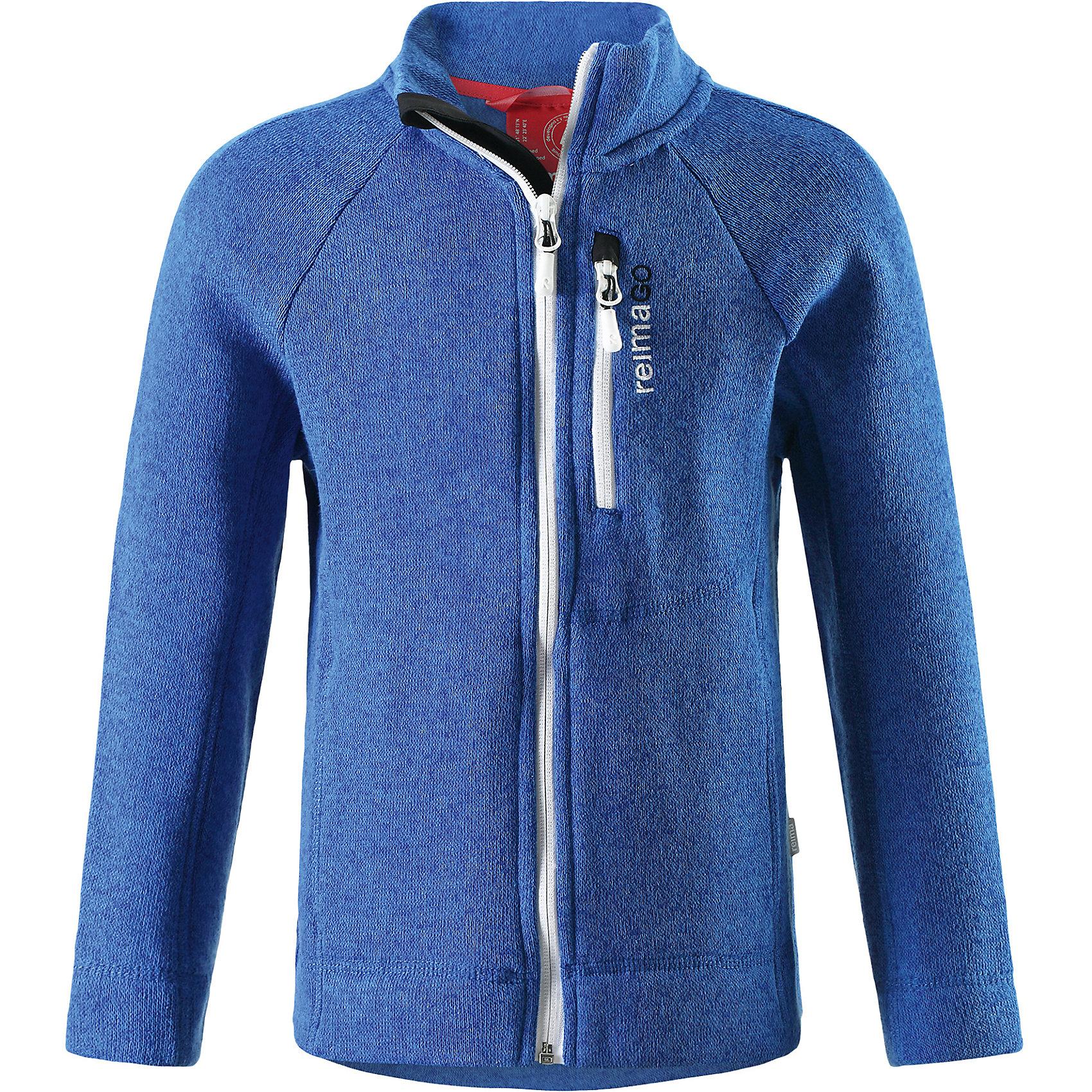 Куртка Reimari флисовая для мальчика ReimaФлис и термобелье<br>Характеристики товара:<br><br>• цвет: синий<br>• состав: 100% полиэстер<br>• карман с разъёмом для датчика ReimaGO®<br>• мягкий вязаный меланжевый флис<br>• выглядит как кофта, но имеет все преимущества флиса<br>• молния во всю длину со вставкой для защиты подбородка<br>• приятная на ощупь ткань<br>• два боковых кармана<br>• комфортная посадка<br>• страна производства: Китай<br>• страна бренда: Финляндия<br>• коллекция: весна-лето 2017<br><br>Одежда для детей может быть модной и комфортной одновременно! Удобная курточка поможет обеспечить ребенку комфорт и тепло. Изделие сшито из флиса - мягкого и теплого материала, приятного на ощупь. Модель стильно смотрится, отлично сочетается с различным низом. Стильный дизайн разрабатывался специально для детей.<br><br>Одежда и обувь от финского бренда Reima пользуется популярностью во многих странах. Эти изделия стильные, качественные и удобные. Для производства продукции используются только безопасные, проверенные материалы и фурнитура. Порадуйте ребенка модными и красивыми вещами от Reima! <br><br>Куртку флисовую для мальчика от финского бренда Reima (Рейма) можно купить в нашем интернет-магазине.<br><br>Ширина мм: 356<br>Глубина мм: 10<br>Высота мм: 245<br>Вес г: 519<br>Цвет: синий<br>Возраст от месяцев: 96<br>Возраст до месяцев: 108<br>Пол: Мужской<br>Возраст: Детский<br>Размер: 134,152,158,146,110,116,122,140,128<br>SKU: 5267411